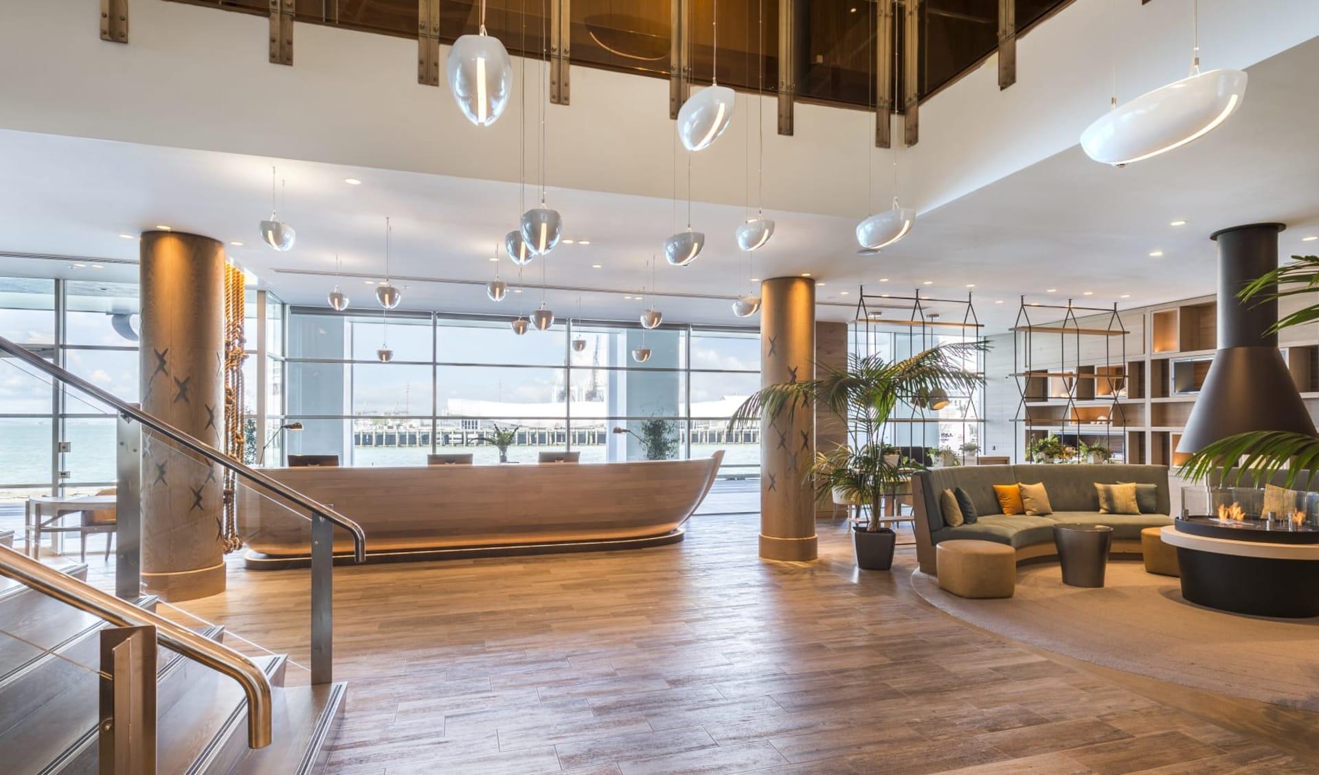 Hilton Auckland:  Hilton Auckland - Lobby