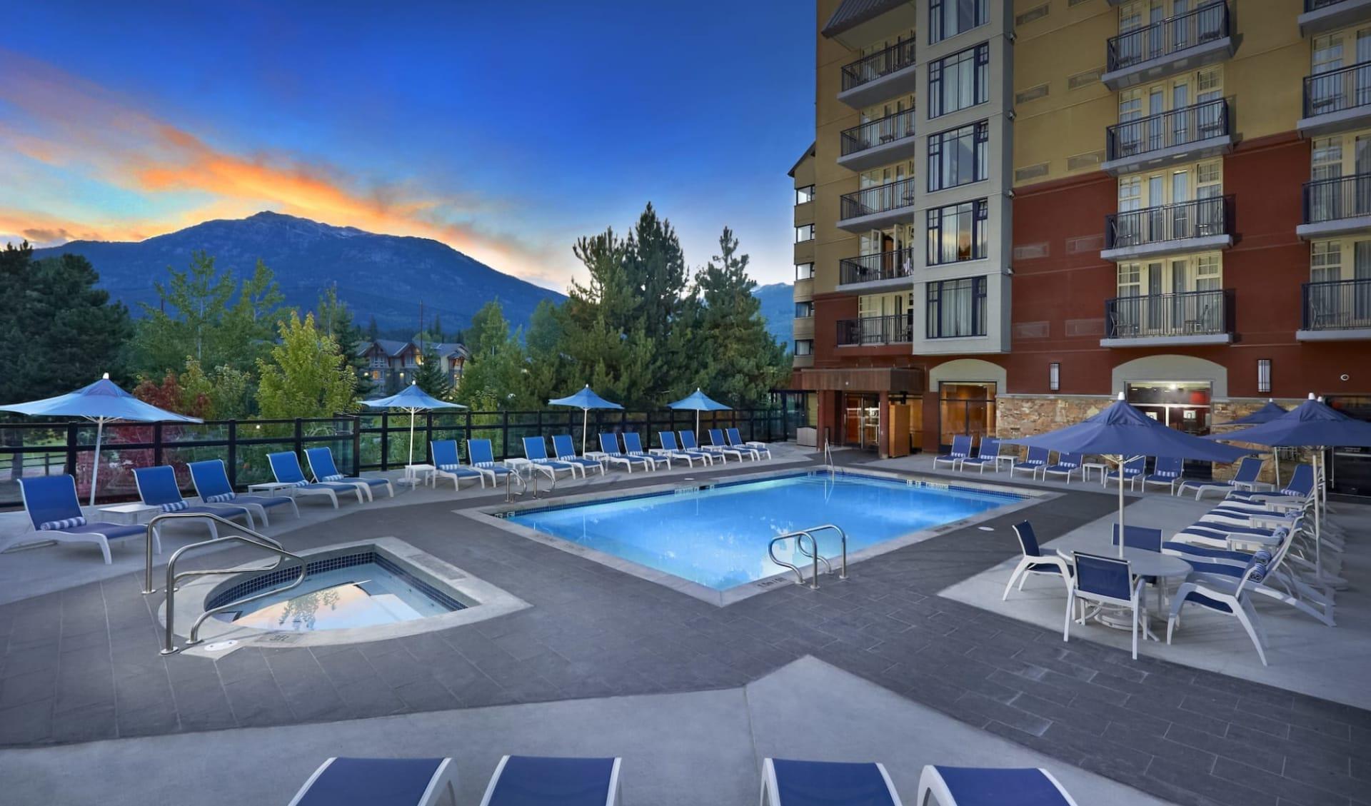 Hilton Whistler Resort & Spa:  Hilton Whistler Resort & Spa_Pool&HotTub