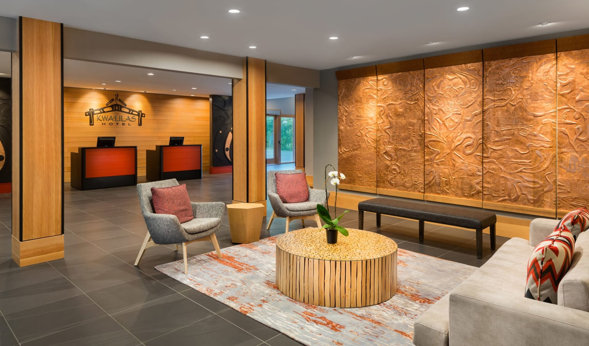 Kwa'Lilas Hotel in Port Hardy: Facilities_Kwa'Lilas Hotel_Lobby_Jonview