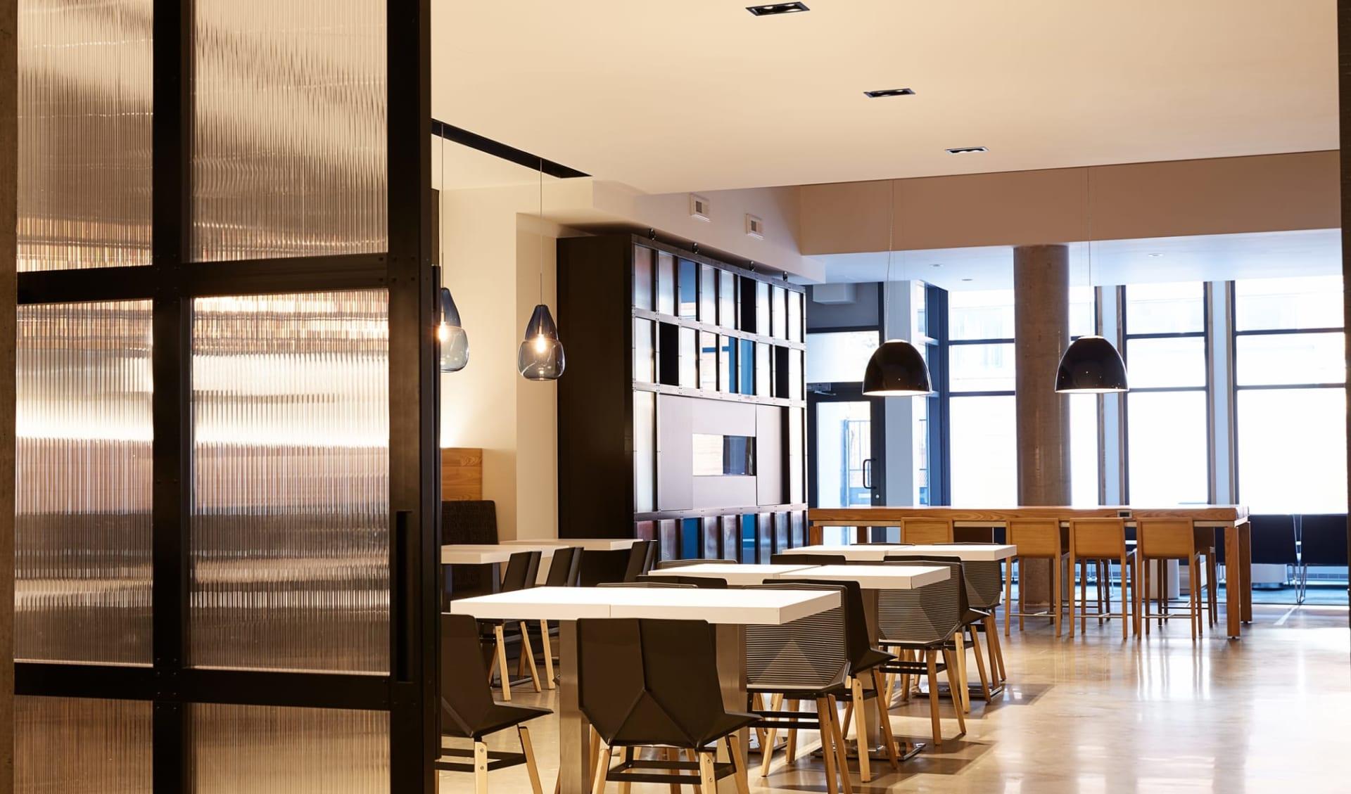 Hôtel Le Dauphin Montréal Centre-Ville: Facilities_Le Dauphin Montreal_Breakfast Room_Jonview