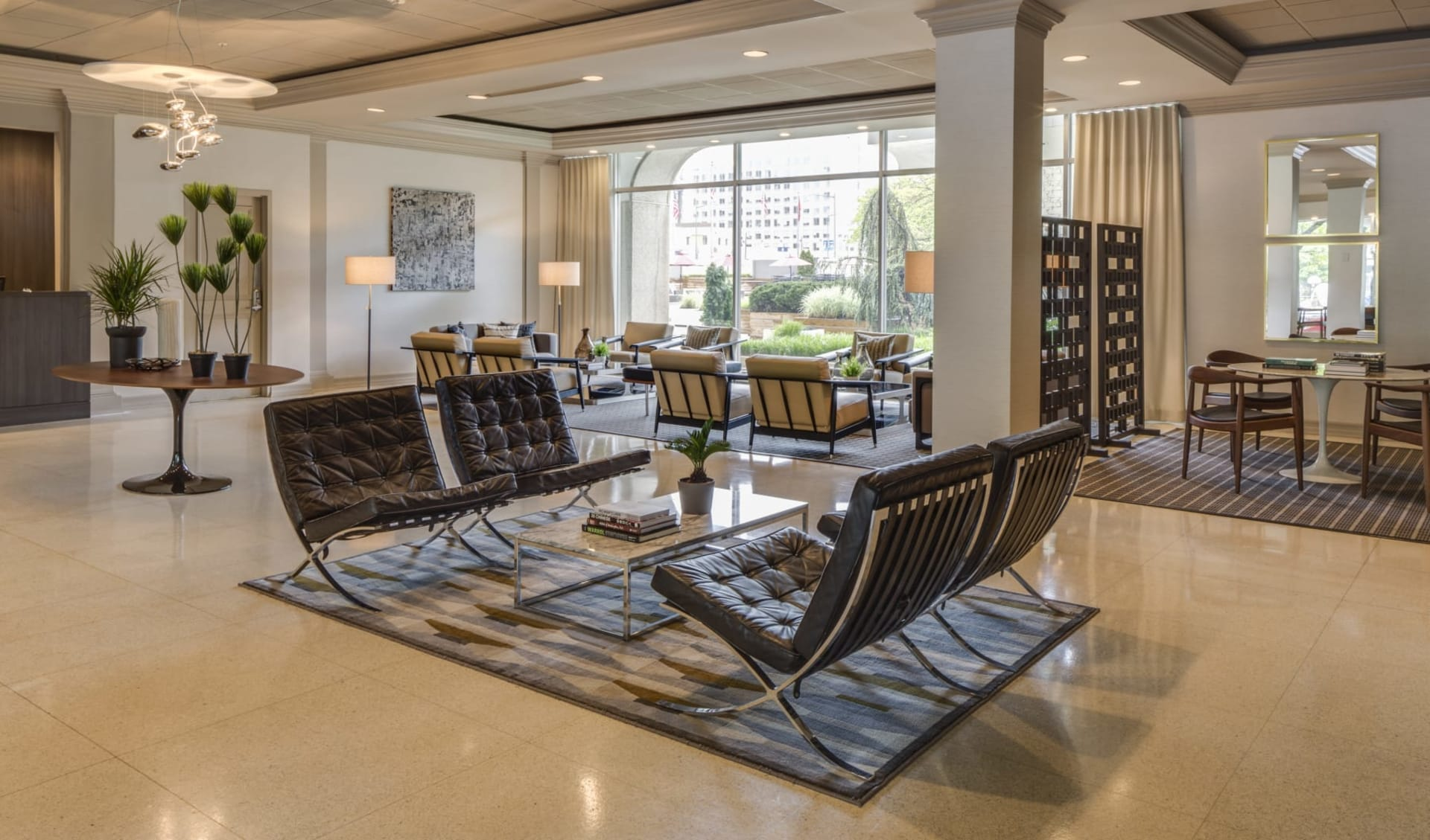 Capitol Skyline Hotel in Washington D.C.: Lobby