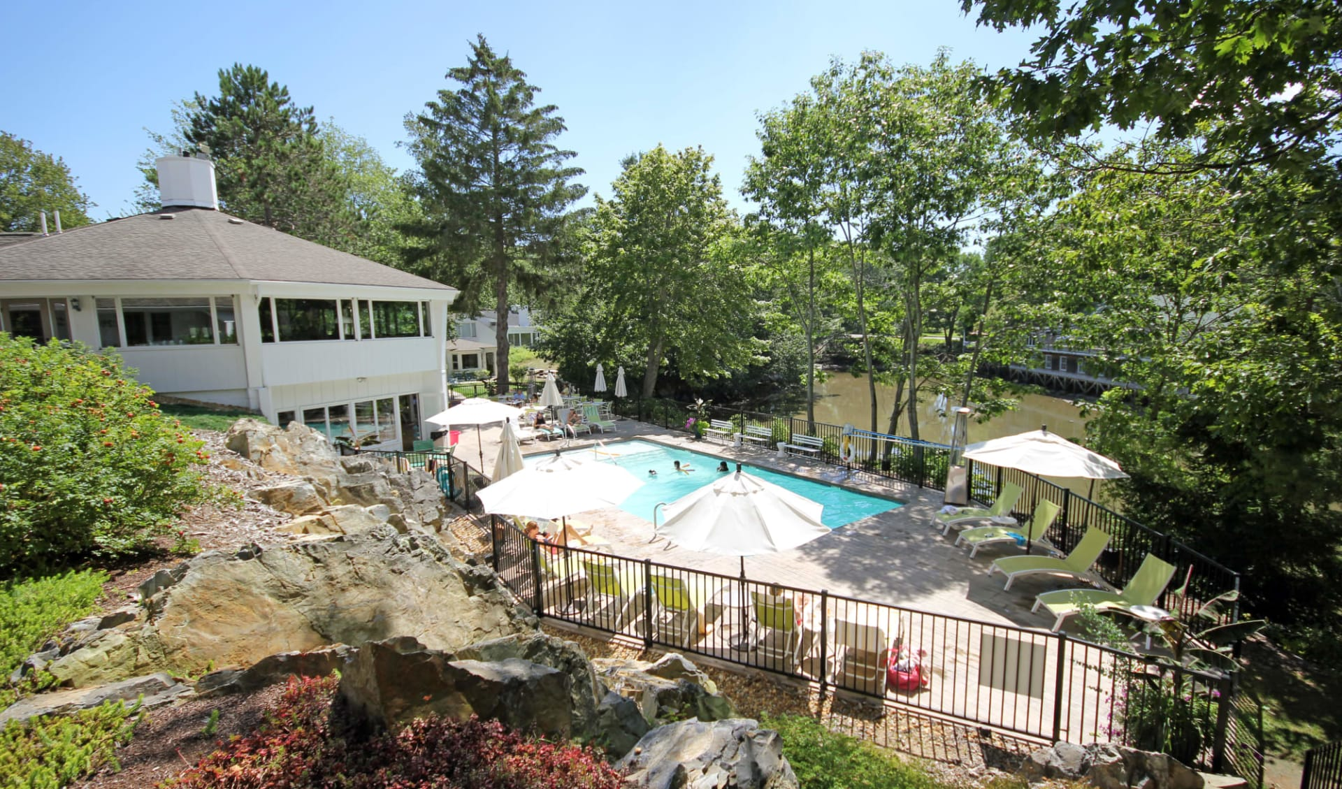 The Lodge on the Cove in Kennebunkport: Facilities_Lodge on the Cove_Pool_Tourmappers