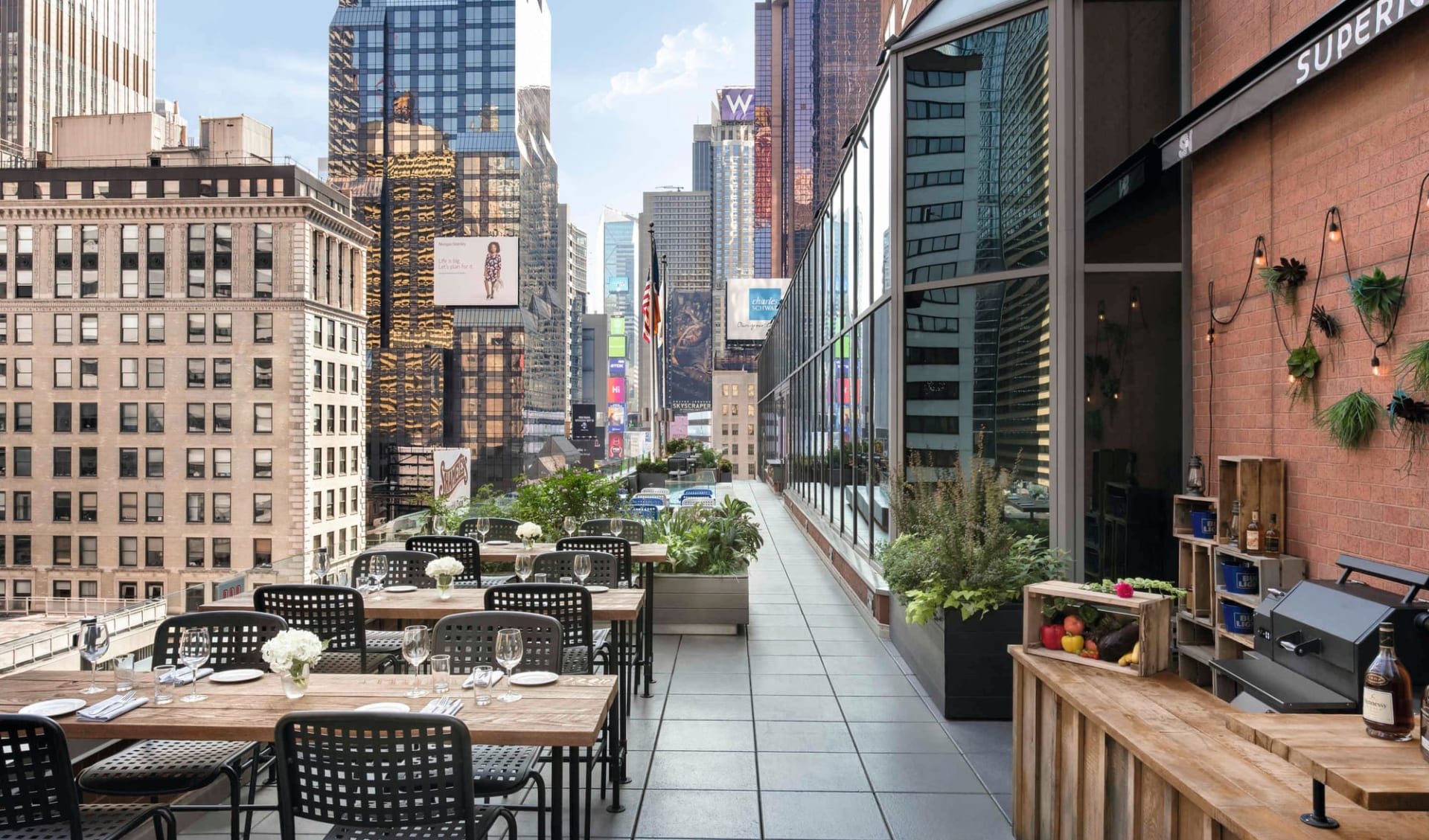 M Social Hotel Times Square in New York - Manhattan:  Novotel NYC Times Square - Restaurant