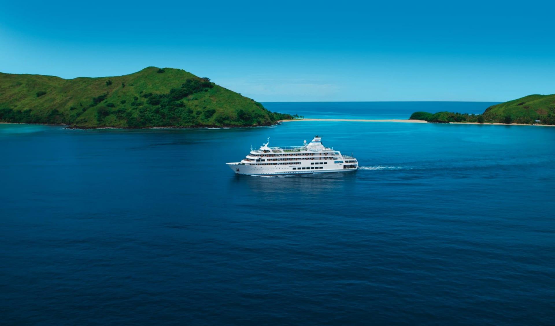 Captain Cook Cruises Lau & Kadavu Kreuzfahrt 12 Tage ab Port Denarau: Fiji - Captain Cook Cruise Schiff - Reef Endeavour