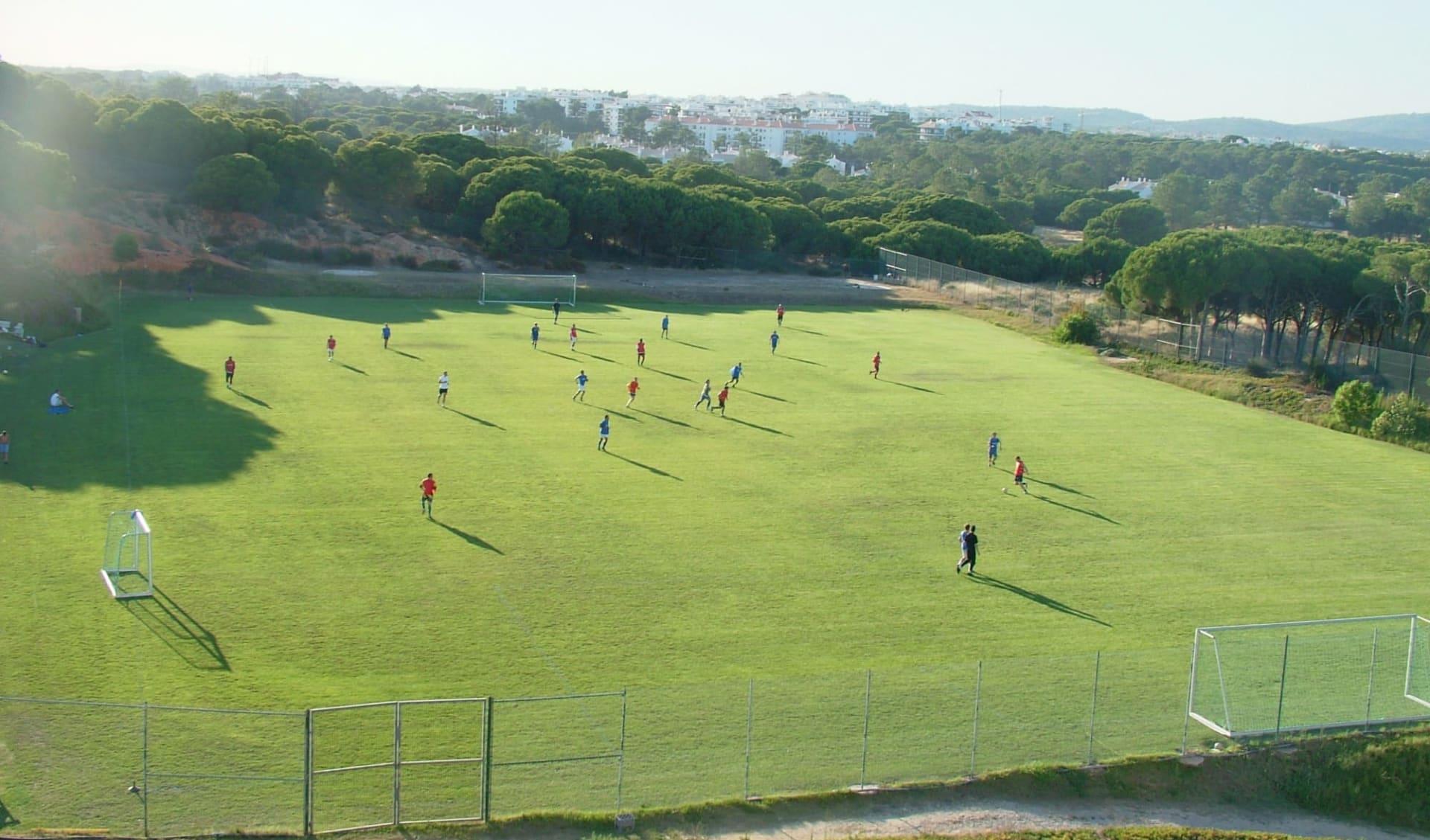 Albufeira - Alfamar Beach & Sport Resort ab Vilamoura: Football Field (Near the hotel)