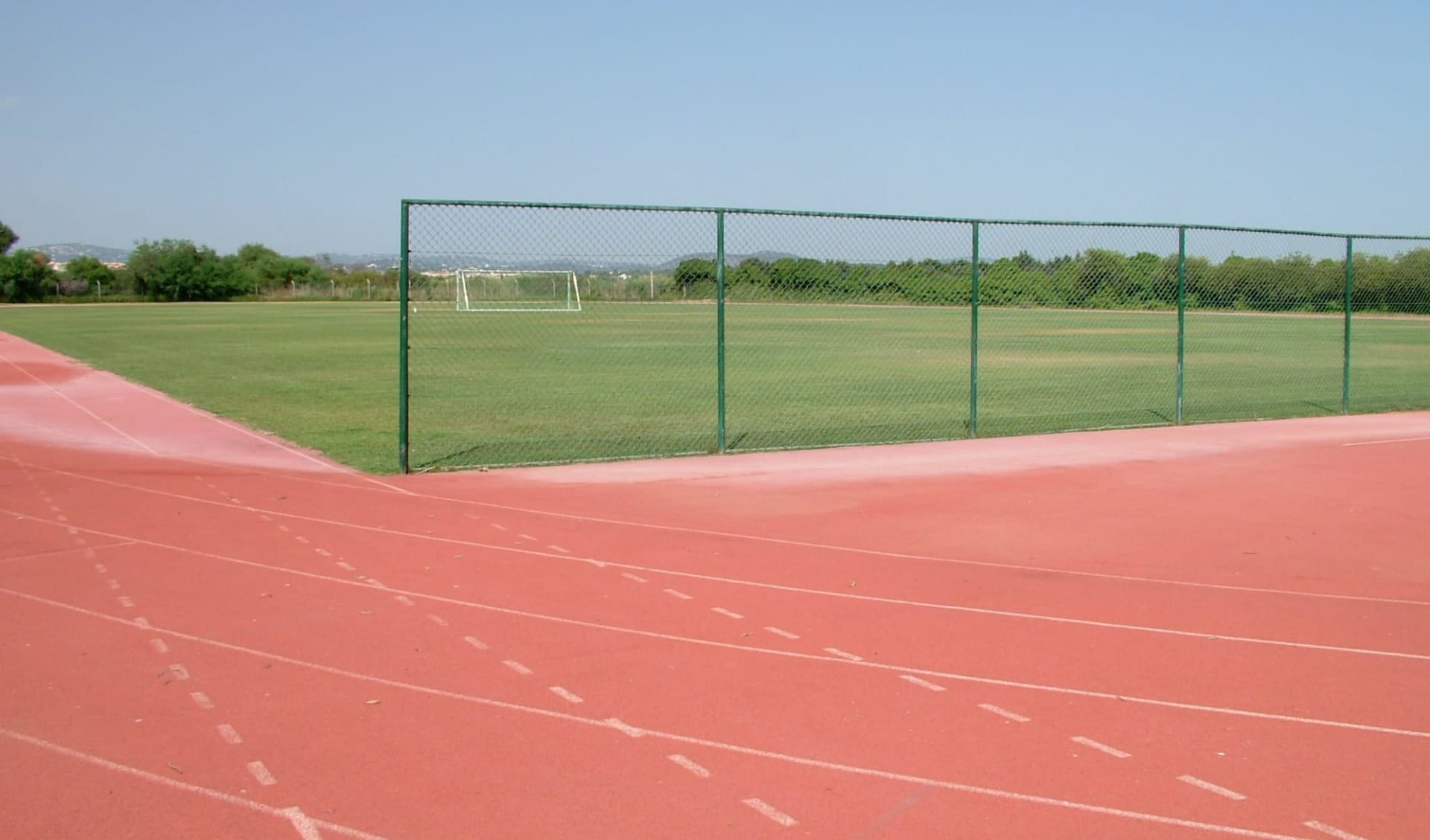 Albufeira - Alfamar Beach & Sport Resort ab Vilamoura: Football pitch - Sports Center