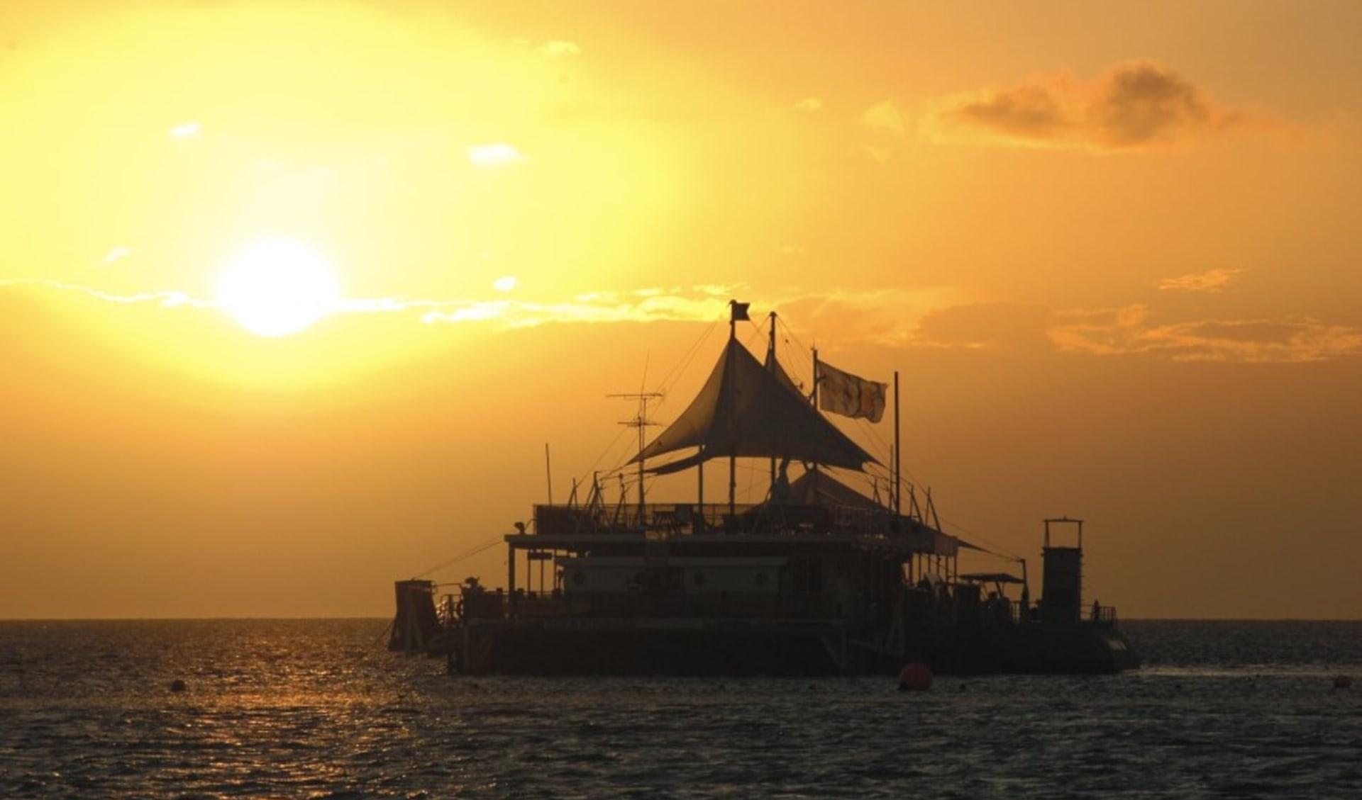 Reefsleep ab Airlie Beach: Great Barrier Reef - Reefsleep - Sunset