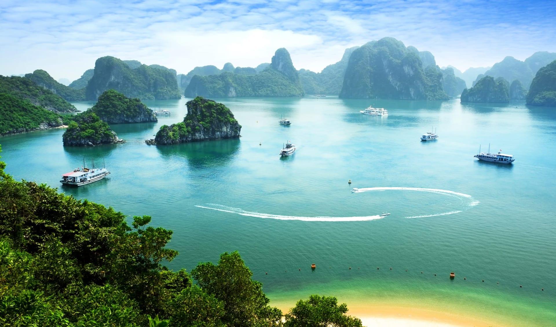 Halong Bucht Kreuzfahrten mit «Bhaya Classic» ab Hanoi: Halong Bay