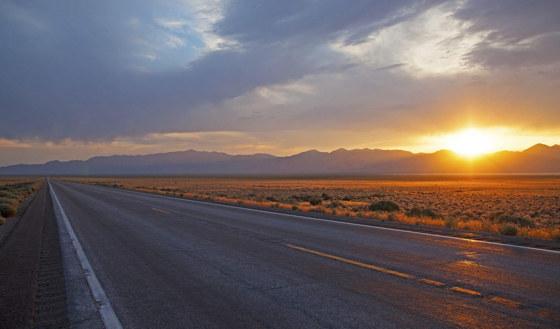 Nevada Explorer ab Las Vegas: Highway 50_Sunset©TravelNevada