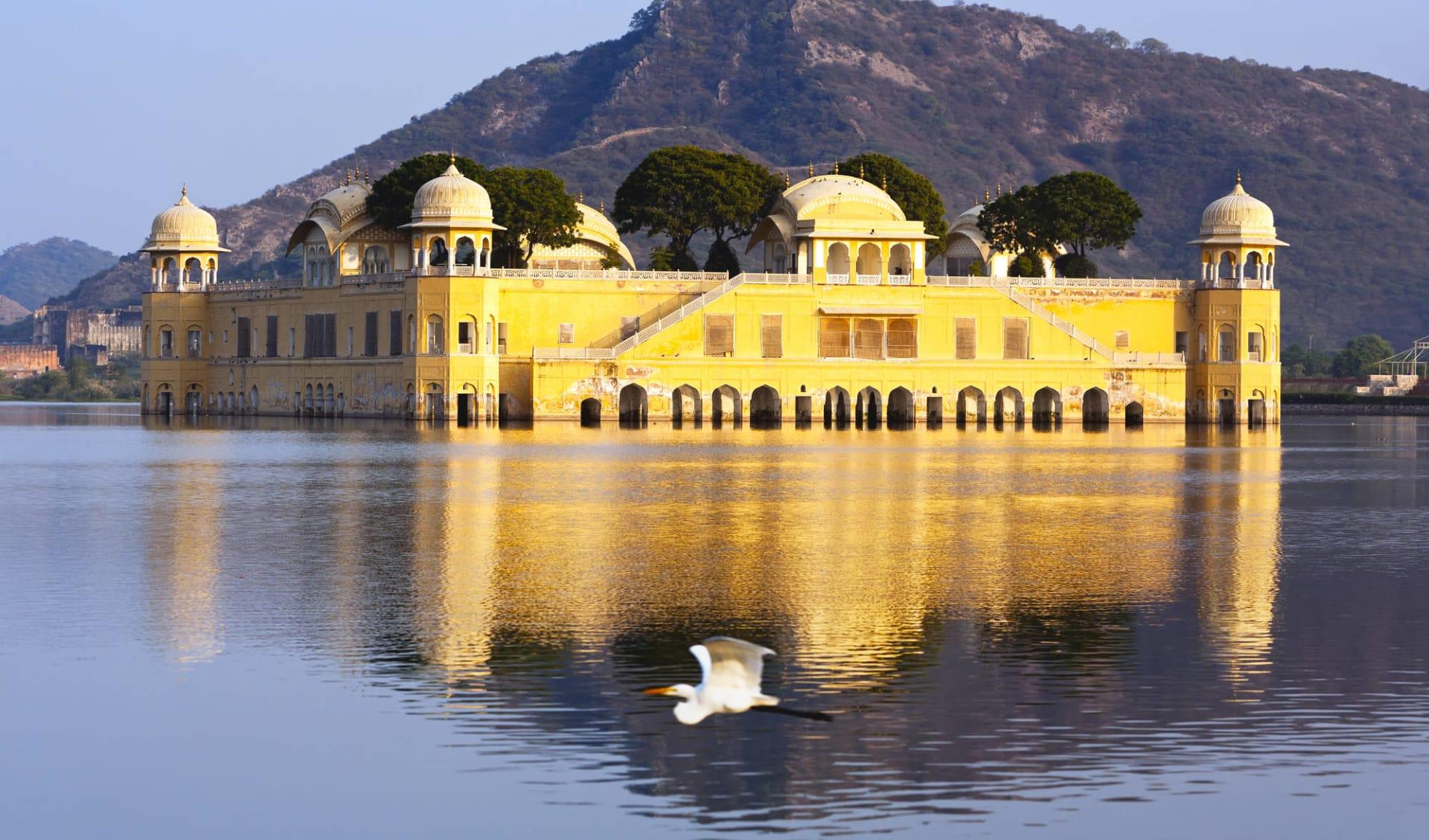 Höhepunkte Rajasthans ab Delhi: Jaipur Jal Mahal Water Palace