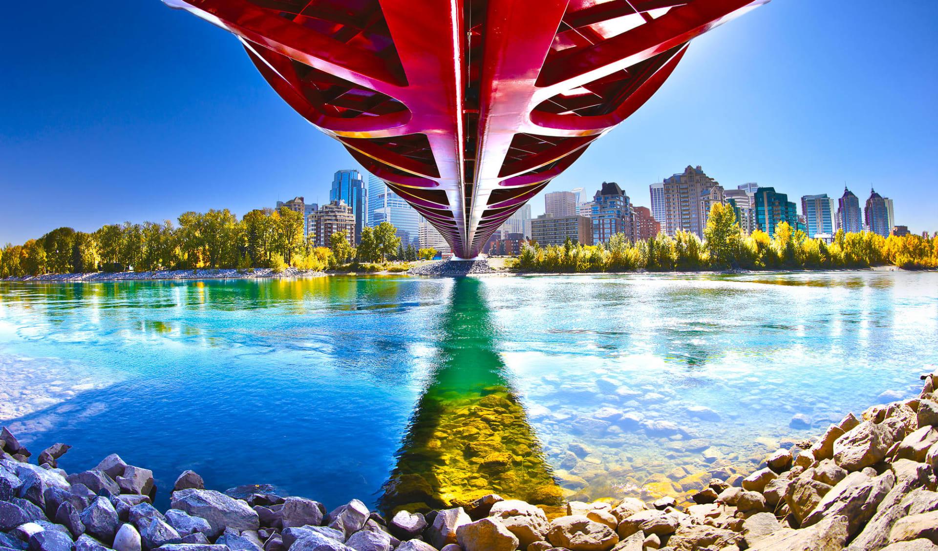 Wandern entlang der Geheimtipps Westkanadas ab Calgary: Kanada - Alberta - Calgary Peace Bridge