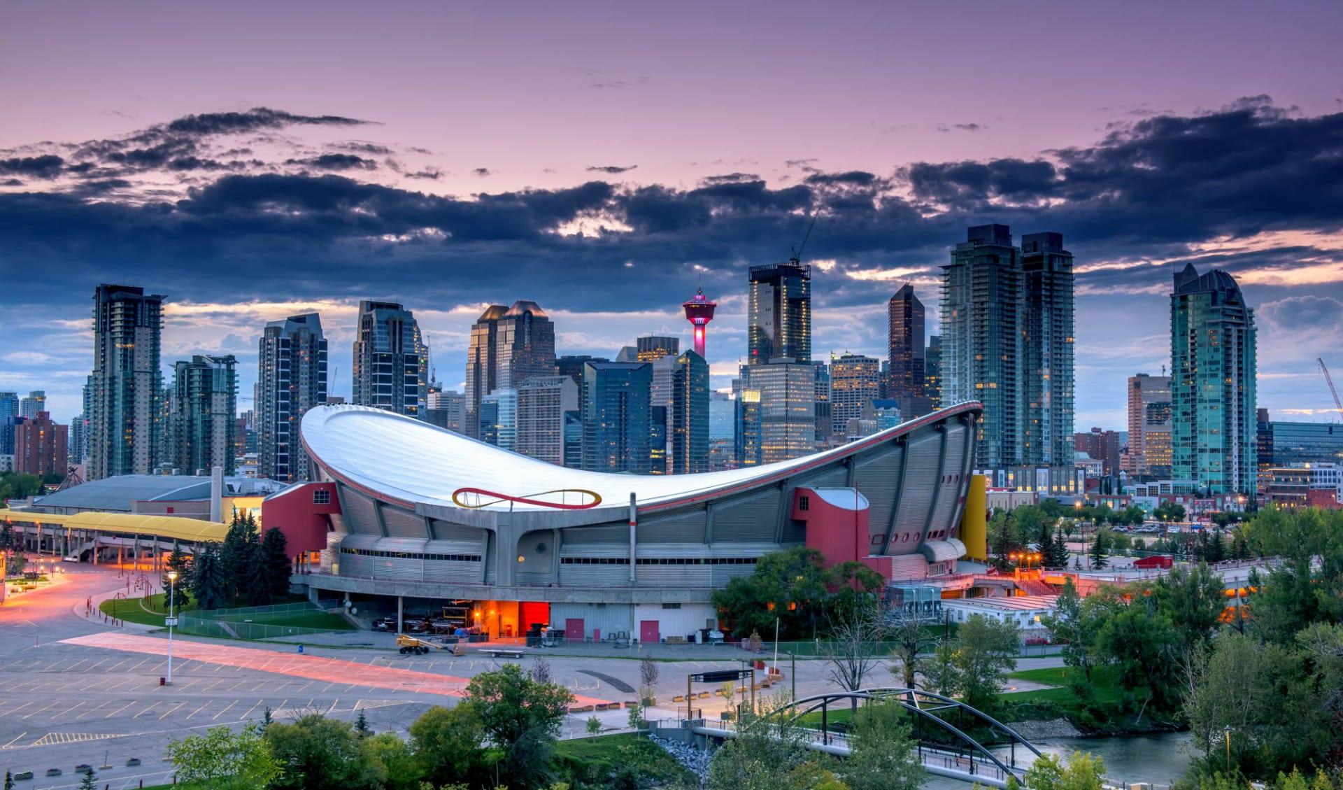 Wanderrundreise von Lodge zu Lodge ab Calgary: Kanada - Calgary Alberta - Skyline by Night