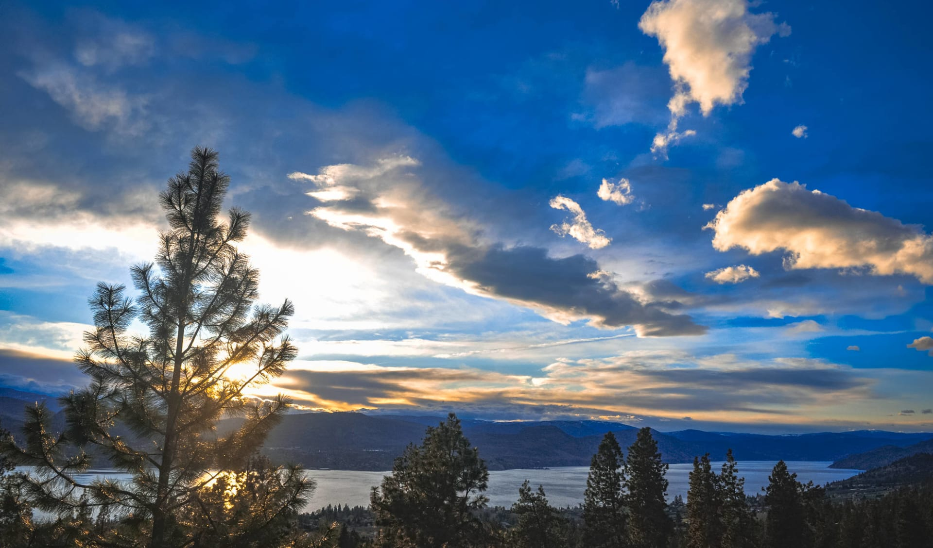Le meilleur de Banff et Jasper: Kanada - Penticton B.C - Sonnenaufgang