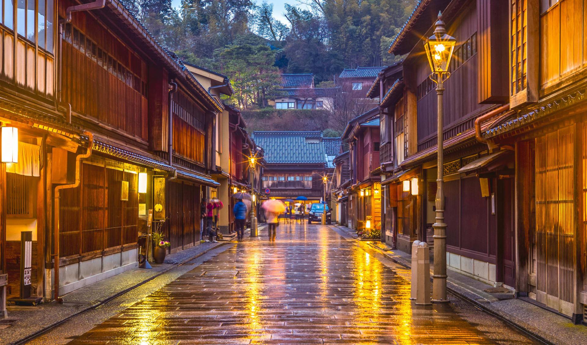 Höhepunkte Japans mit Verlängerung ab Tokio: Kanazawa Higashi Chaya District