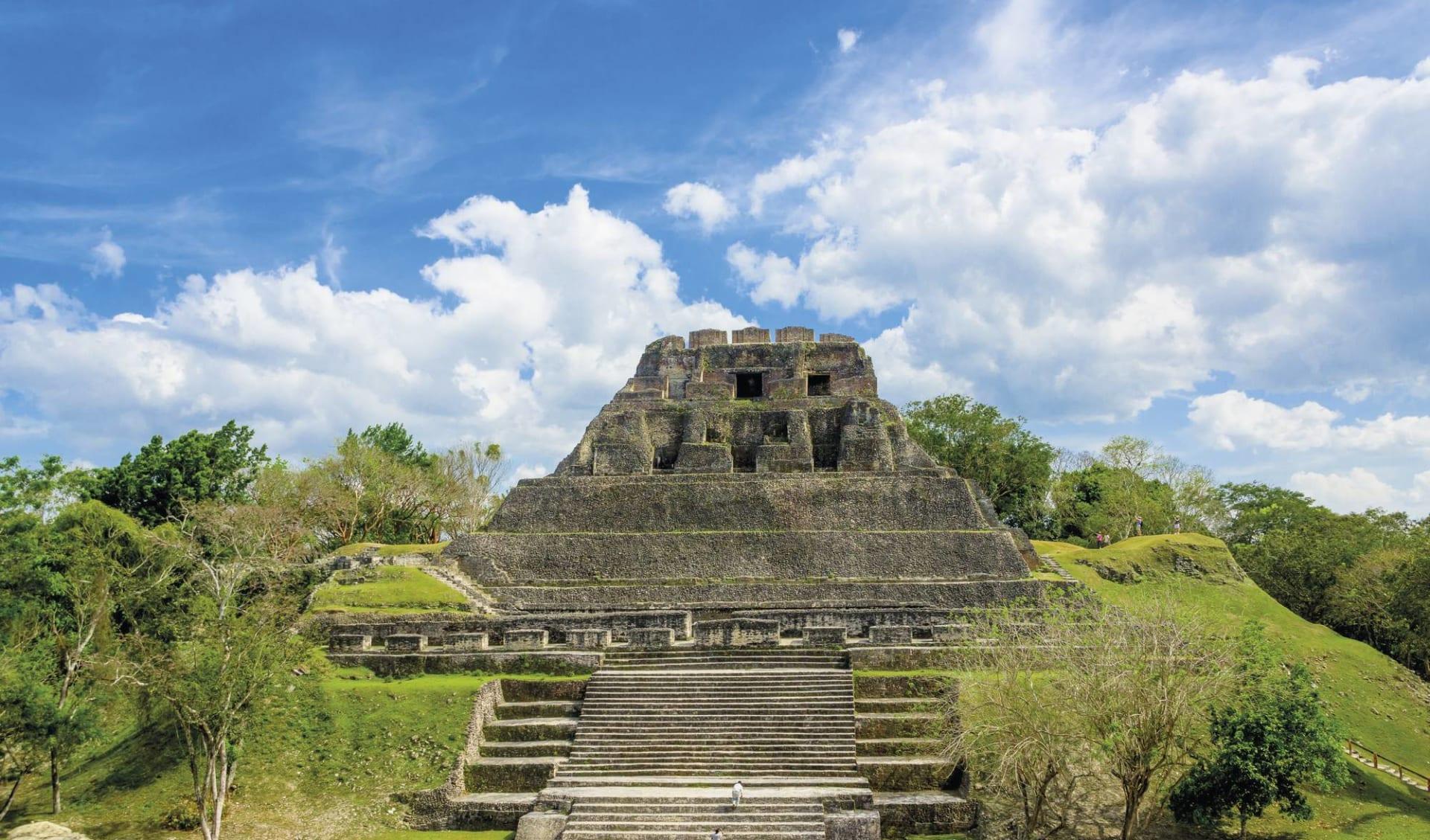 Gruppenreise Das Erbe der Maya ab Cancun: Karibik - Belize - Ruinen von Xunantunich