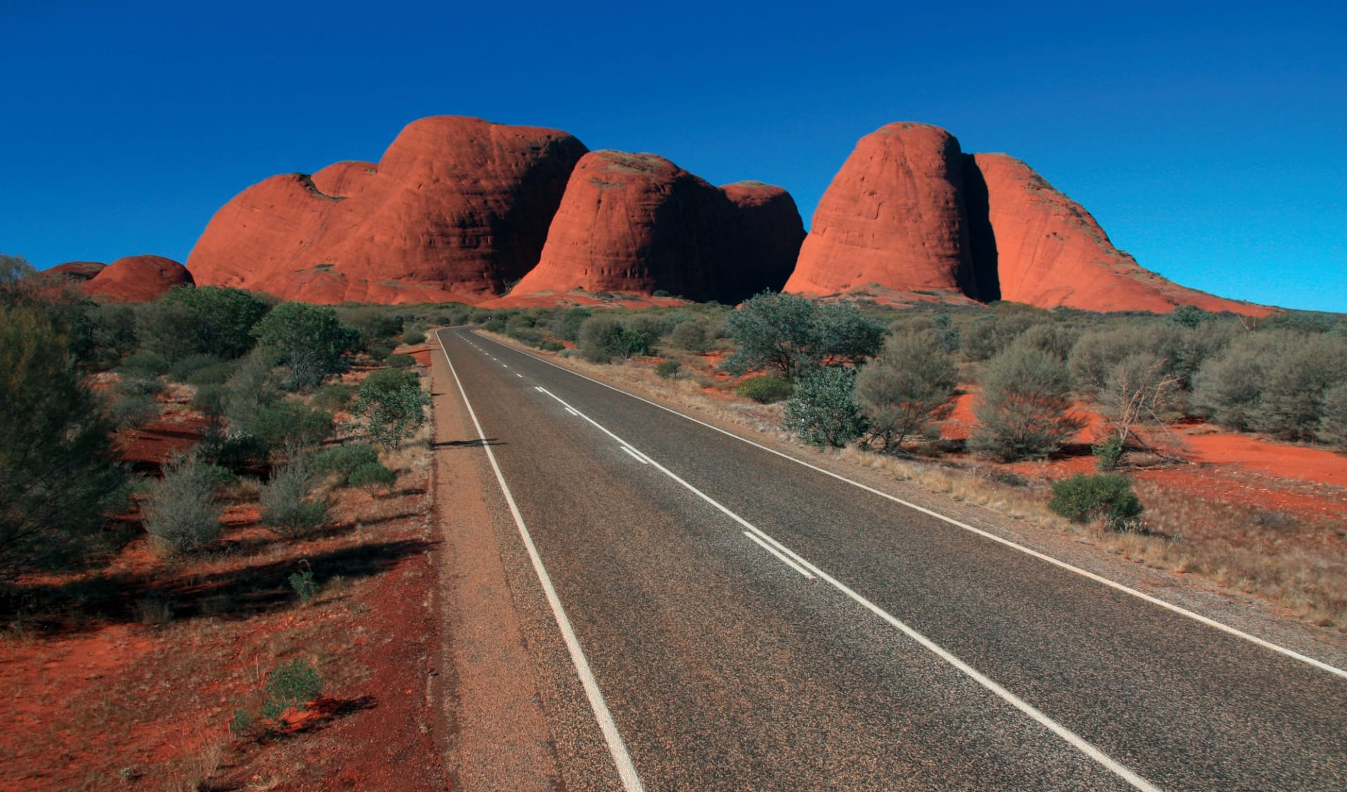 Uluru Adventure ab Alice Springs: Kata Tjuta - The Olgas with road