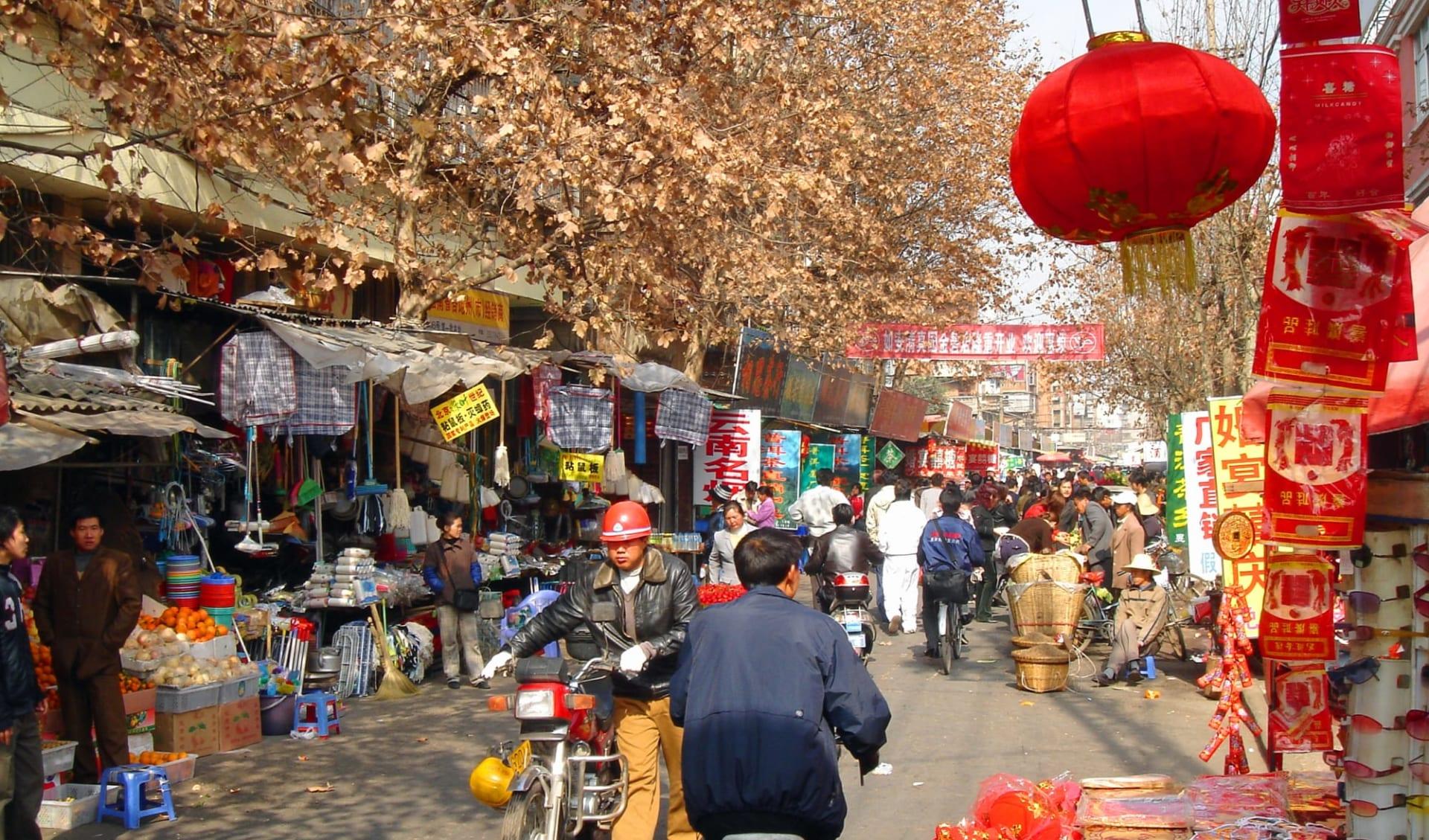 Höhepunkte Yunnans ab Kunming: Kunming: Street market