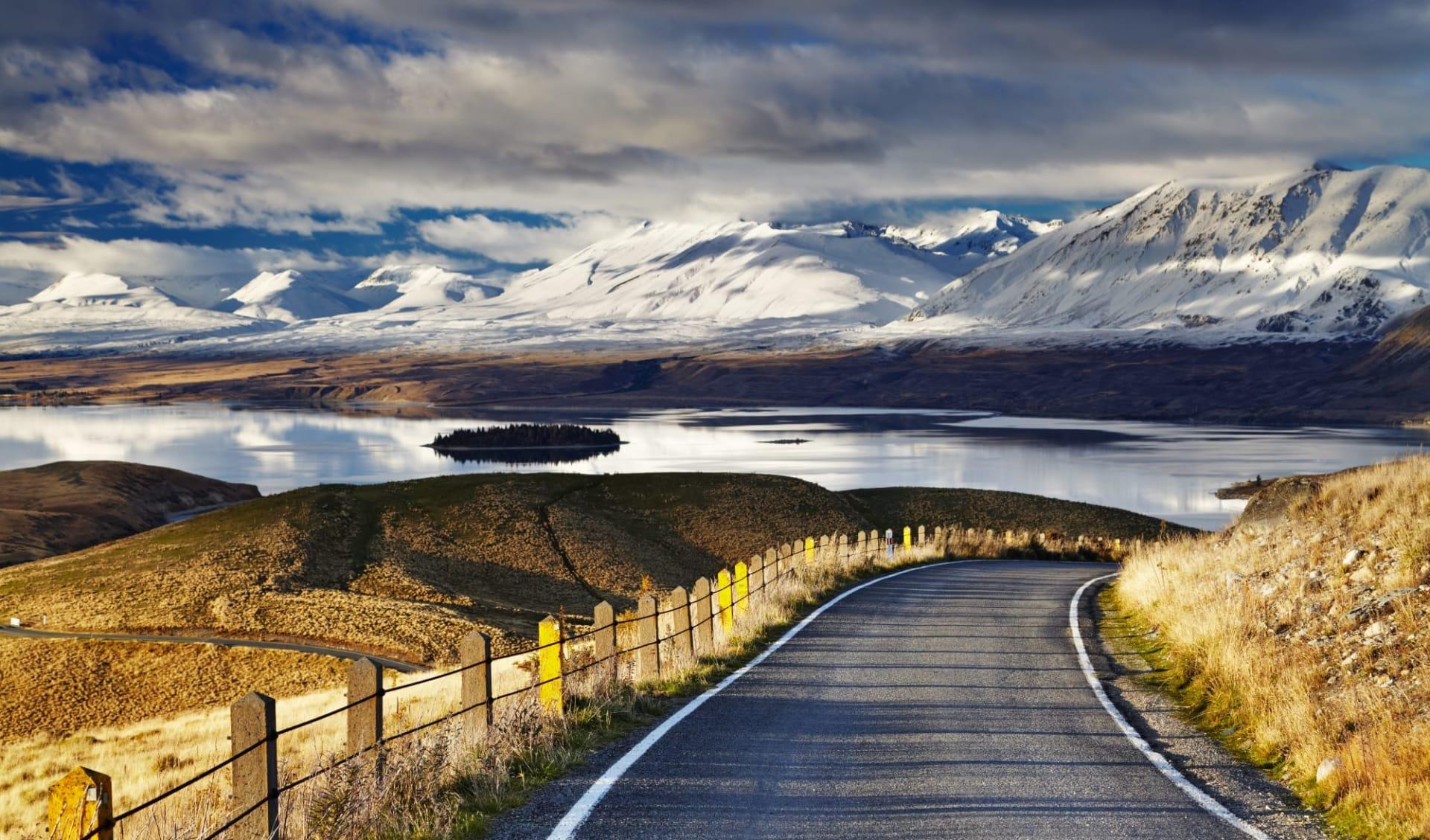 The Long White Cloud (AAT Kings) ab Christchurch: Lake Tekapo - Schneeberge