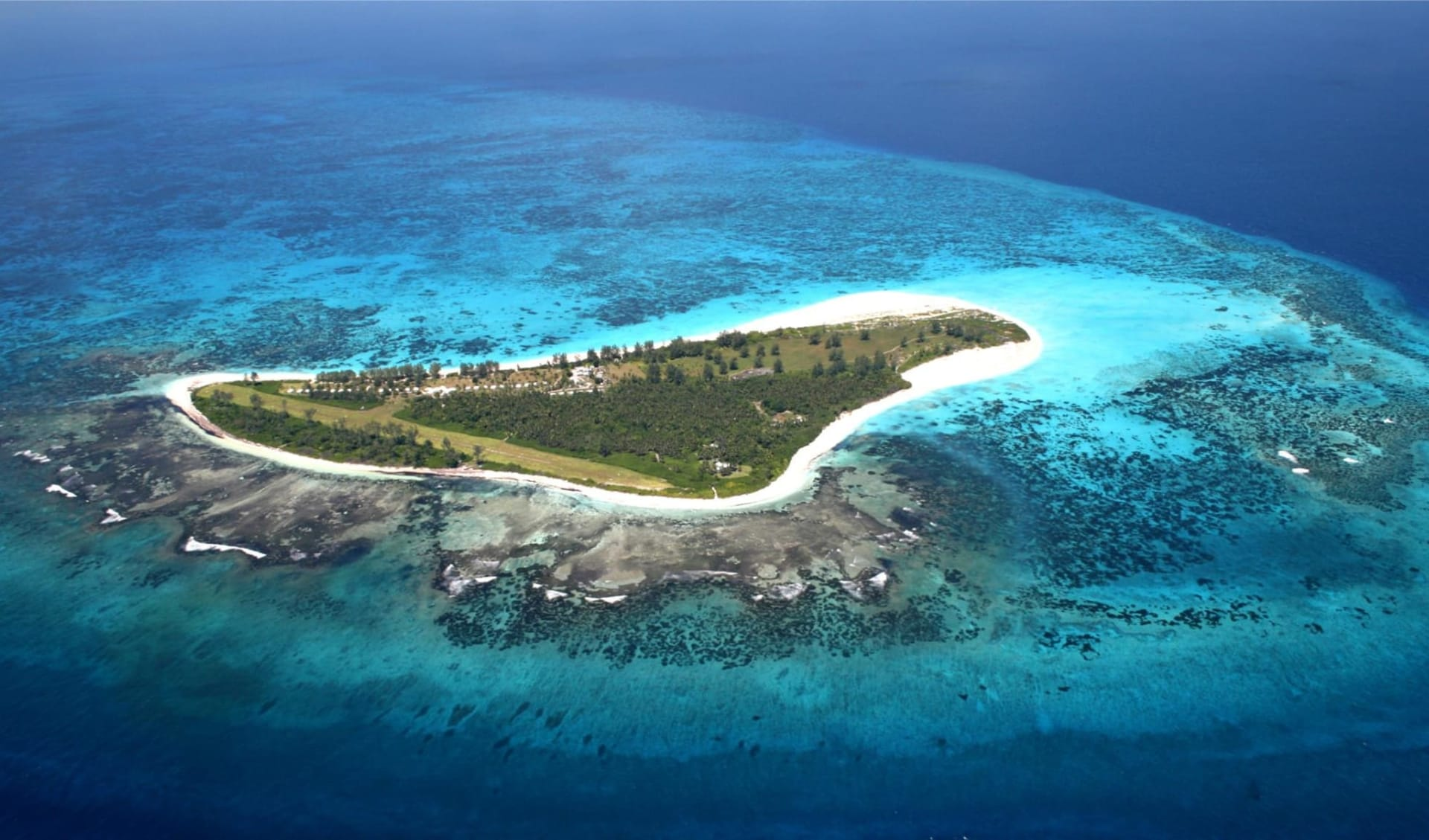 Bird Island Lodge: Aerial View of Bird Island