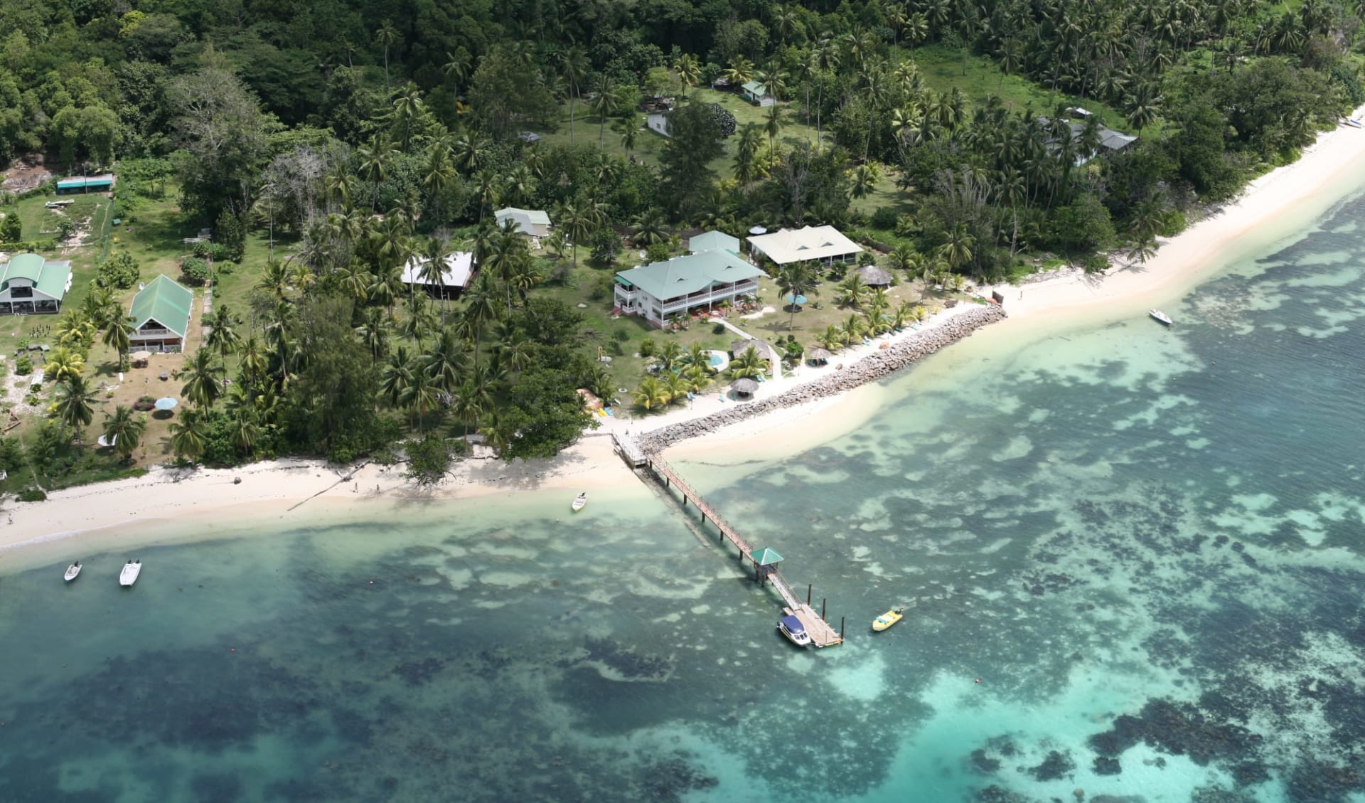 L'Habitation in Cerf Island: Habitation Aerial view
