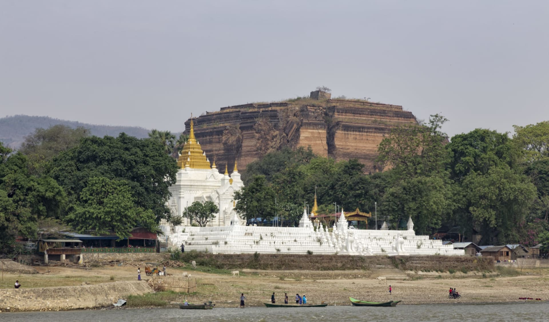 Flussfahrt auf dem mystischen Irrawaddy ab Bhamo: Mandalay Mingun