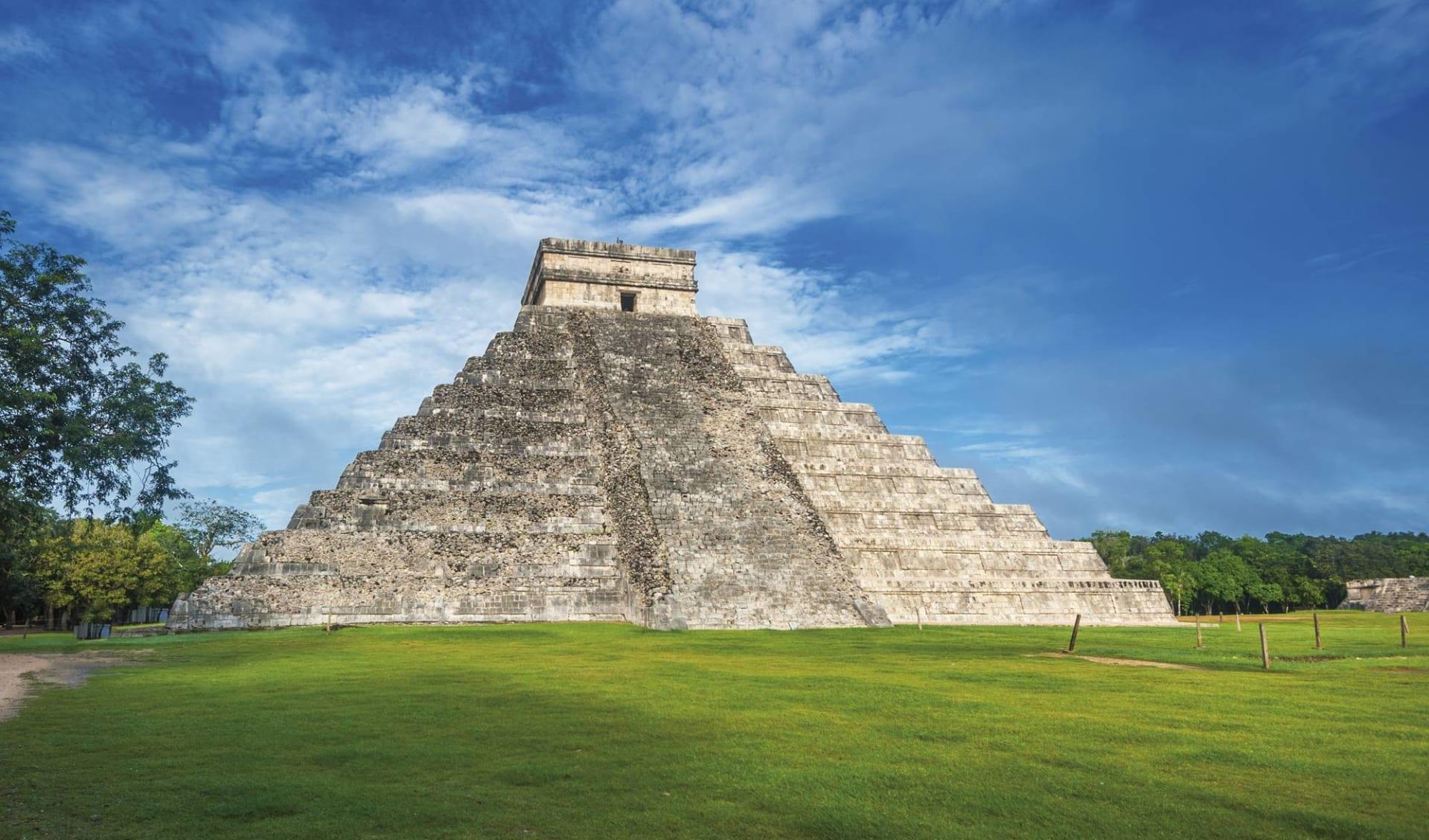 Yucatán Familienreise ab Cancun: Mexico - Yucatan - Chichen Itza, Temple of Kukulkan