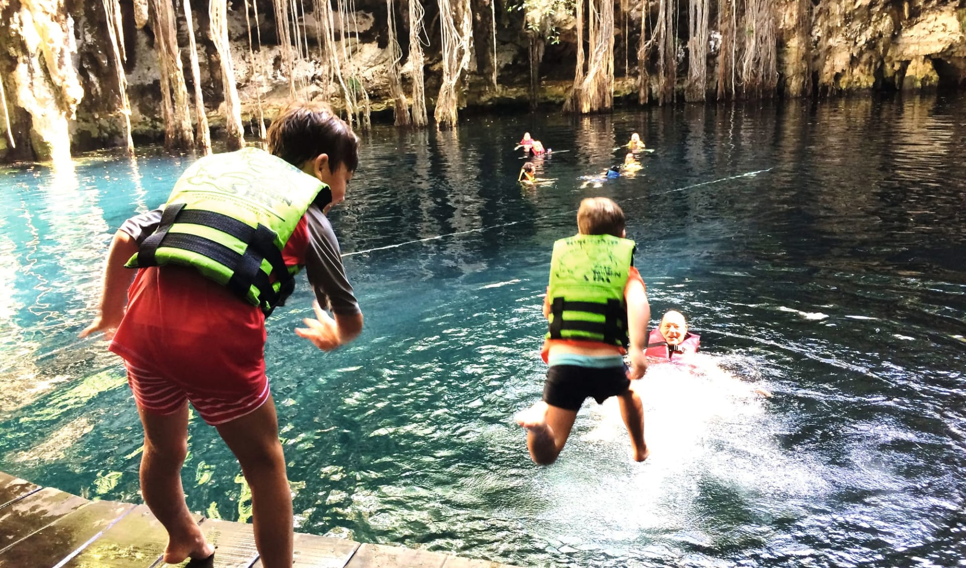 Yucatán Familienreise ab Cancun: Mexico - Yucatan - Kinder Wasserfall