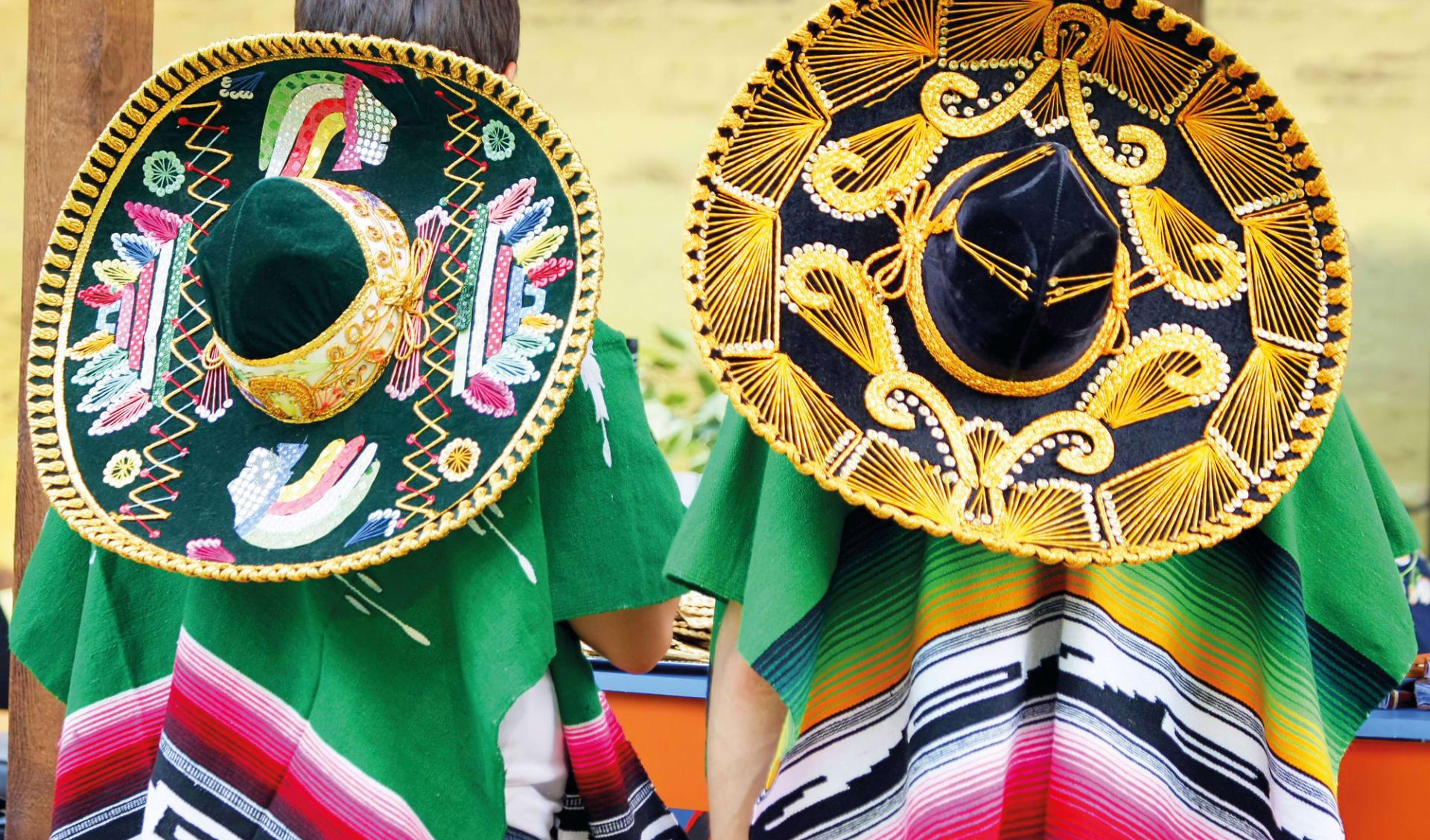 Kupfer Canyon Traditional ab Chihuahua: Mexiko - Sombreros