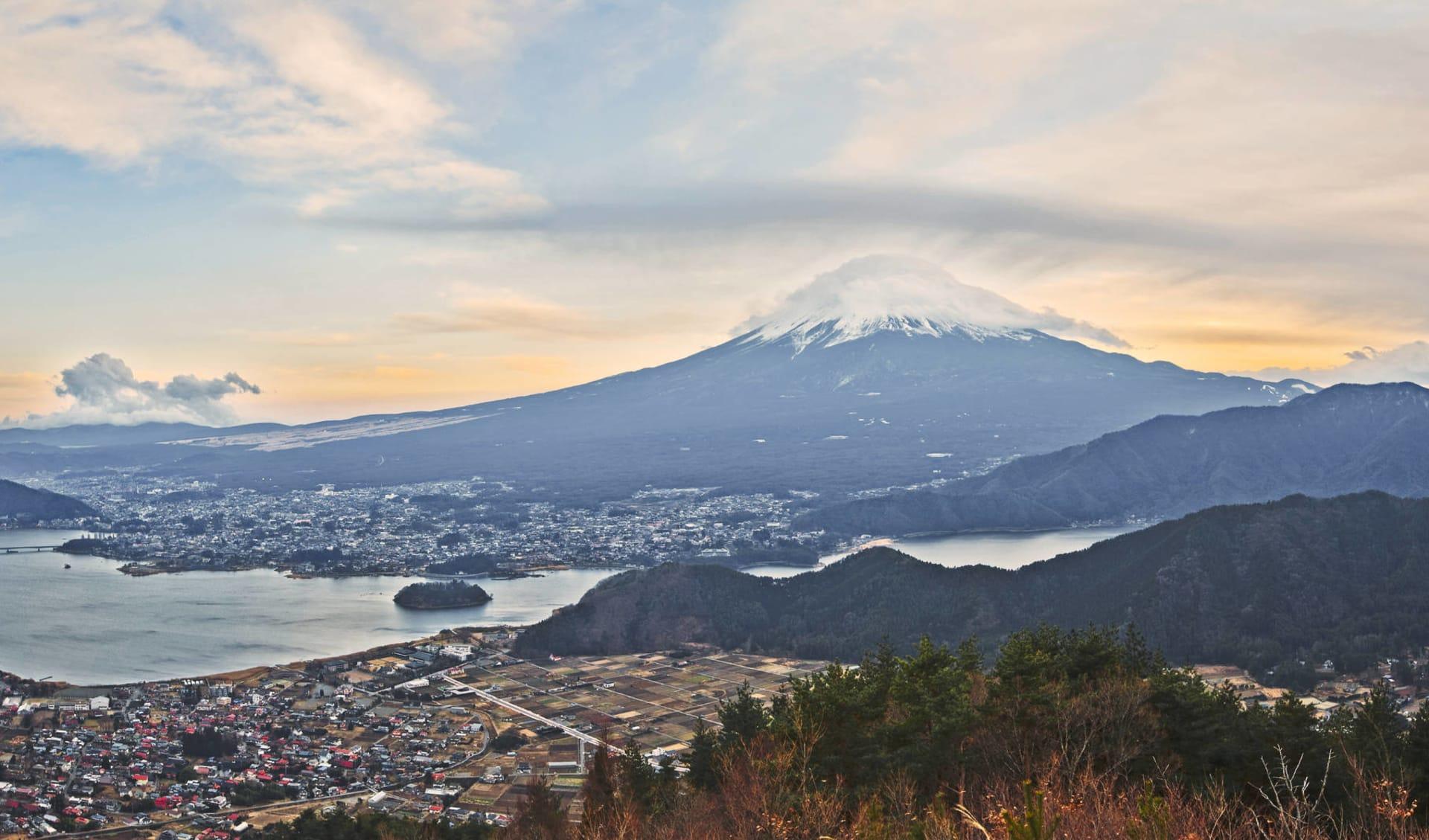 Gruppenreise «Geisha» ab Tokio: Mt Fuji with lake Kawaguchiko