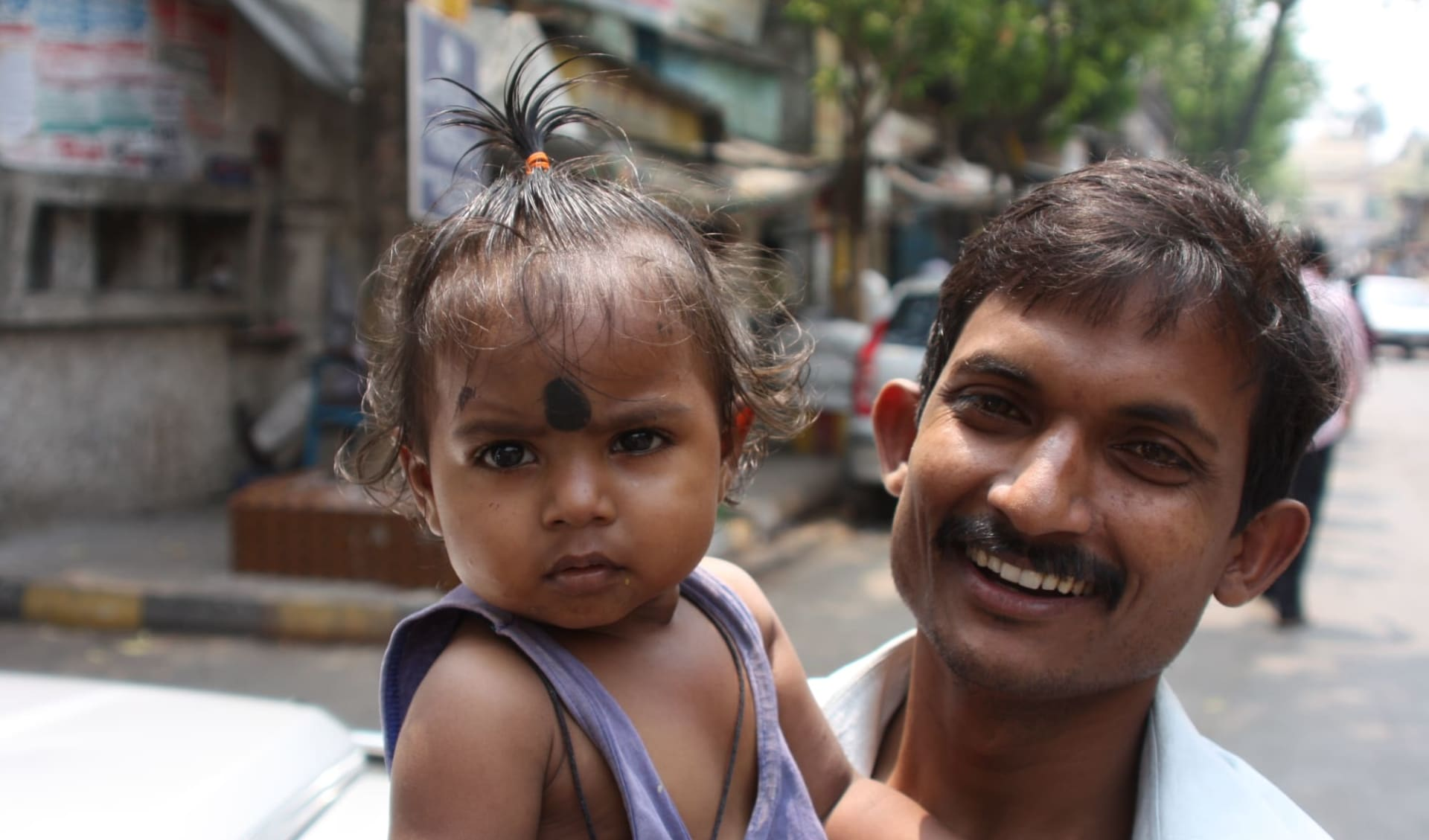 Unbekanntes Gujarat ab Ahmedabad: Mumbai: Happy father with his daughter