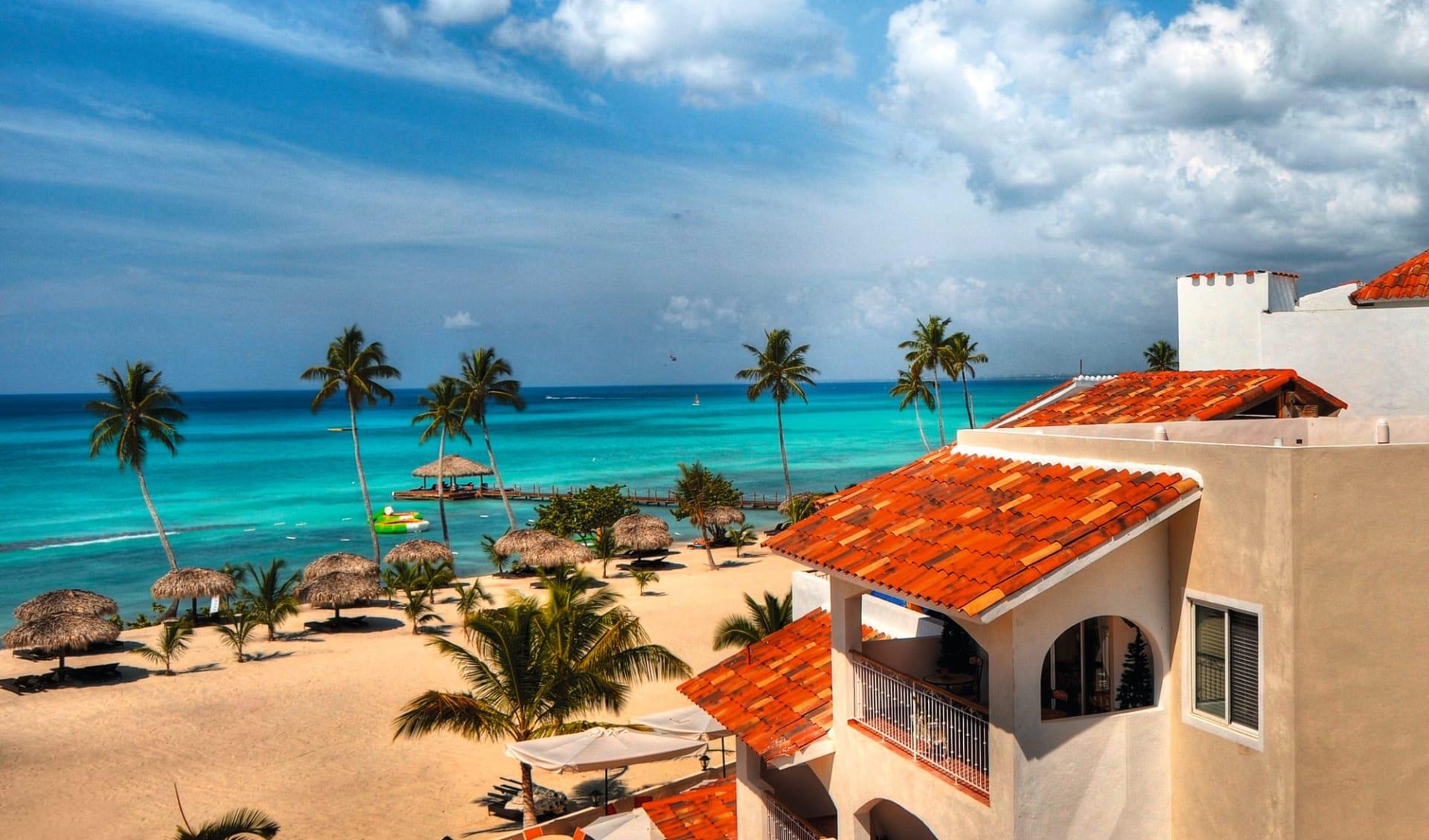 Cadaques Caribe Resort in Bayahibe: natur cadaques caribe resort strand meer hotel