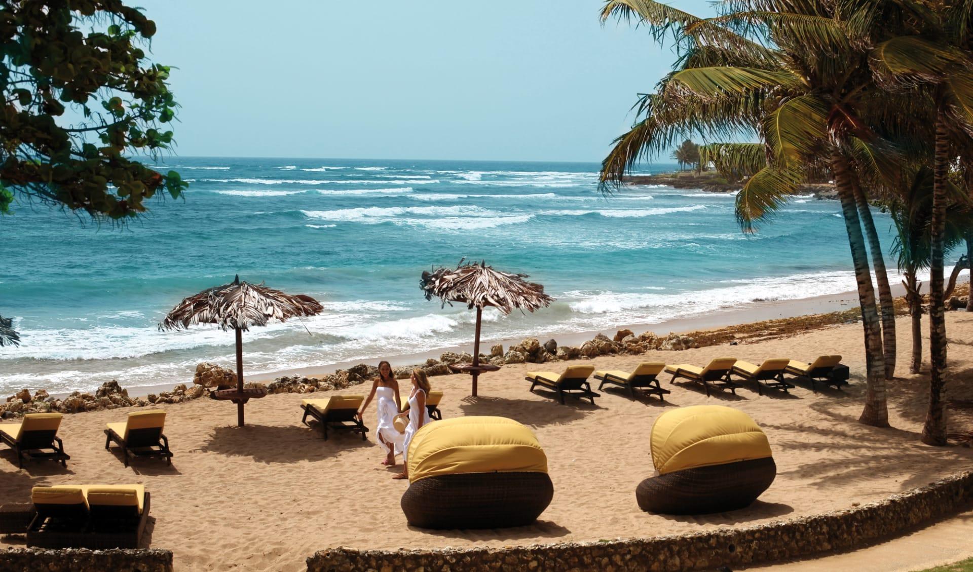Magdalena Grand Beach Resort in Bacolet Bay: natur magdalena grand beach resort strand lounge