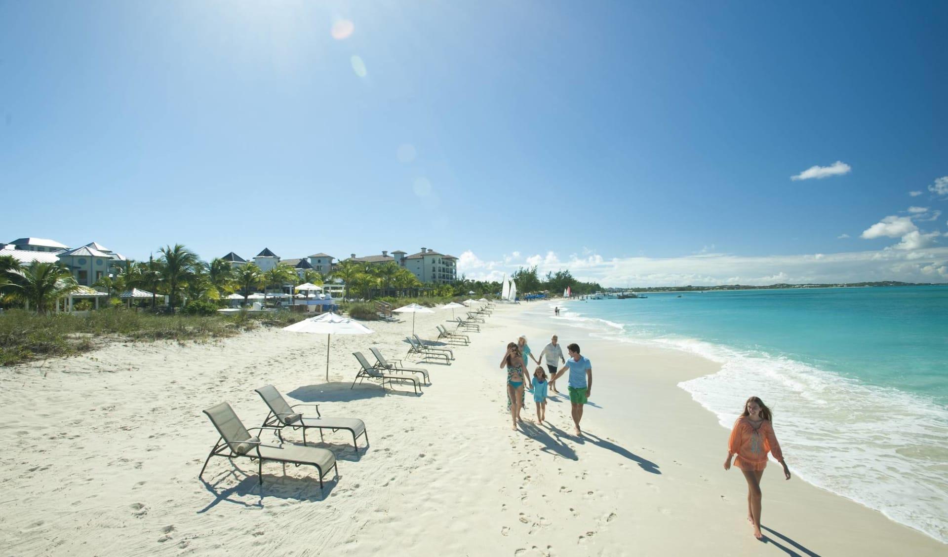 Sandals Grande Antigua Resort & Spa in Dickenson Bay: natur sandals grande antigua resort and spa strand menschen meer