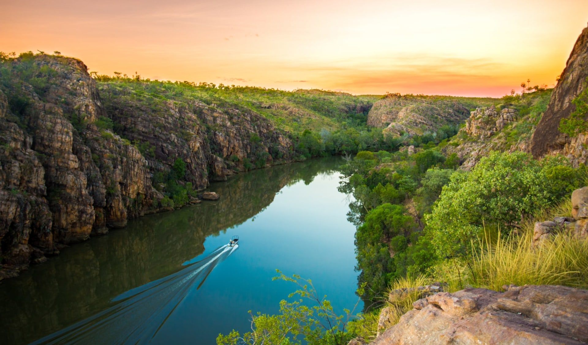 4x4 Hawk Dreaming Safari ab Darwin: Nitmiluk National Park - Katherine Gorge - Sunset Cruise
