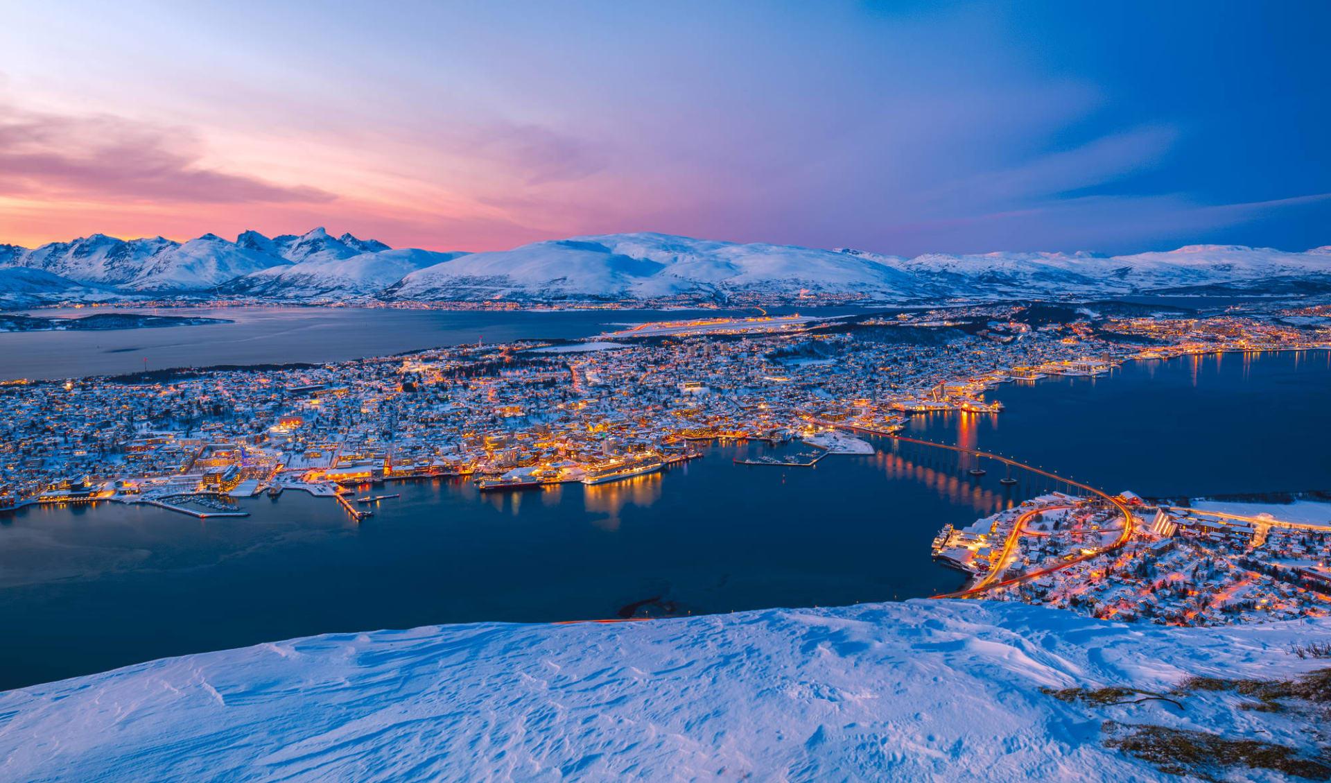 Winterliches Norwegen im Glanz der Polarlichter ab Tromsö: Norwegen Tromso Sonnenuntergang Winter