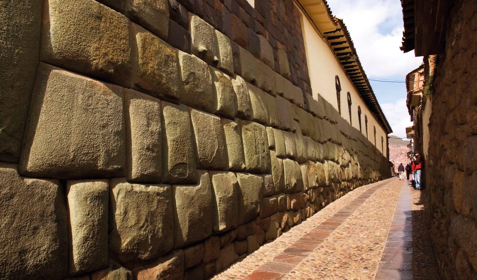 Machu Picchu für Geniesser ab Cuzco: Peru - Cuzco - Inka Mauer