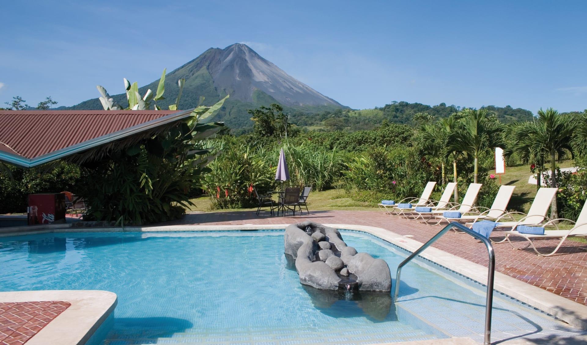Arenal Springs Resort & Spa in La Fortuna: pool arenal springs pool