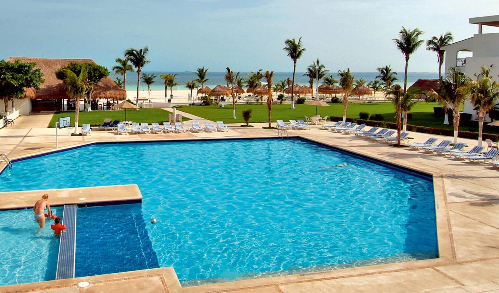 Beachscape Kin Ha Villas & Suites in Cancun:  Cancun_Beachscape Kin Ha Villas_Pool