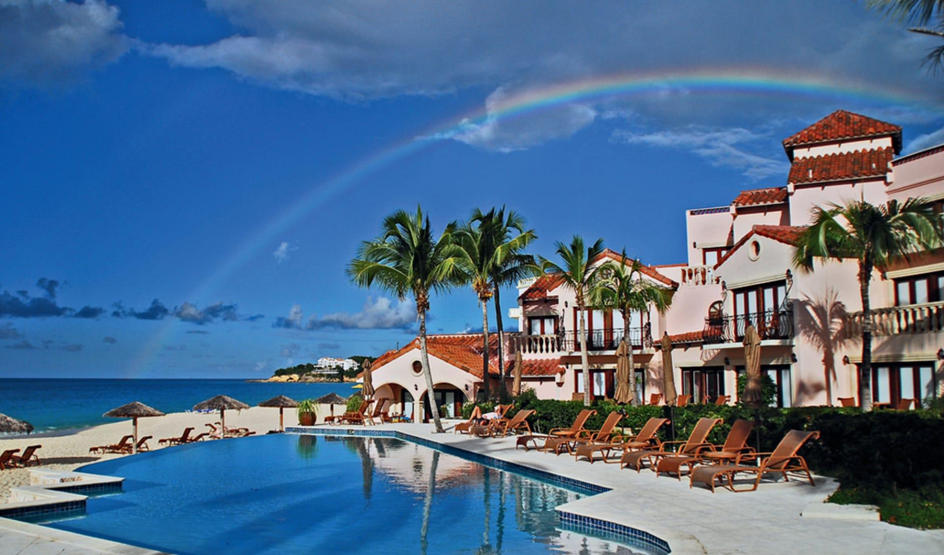 Frangipani Beach Resort in Meads Bay: pool frangipani beach resort pool meer regenbogen