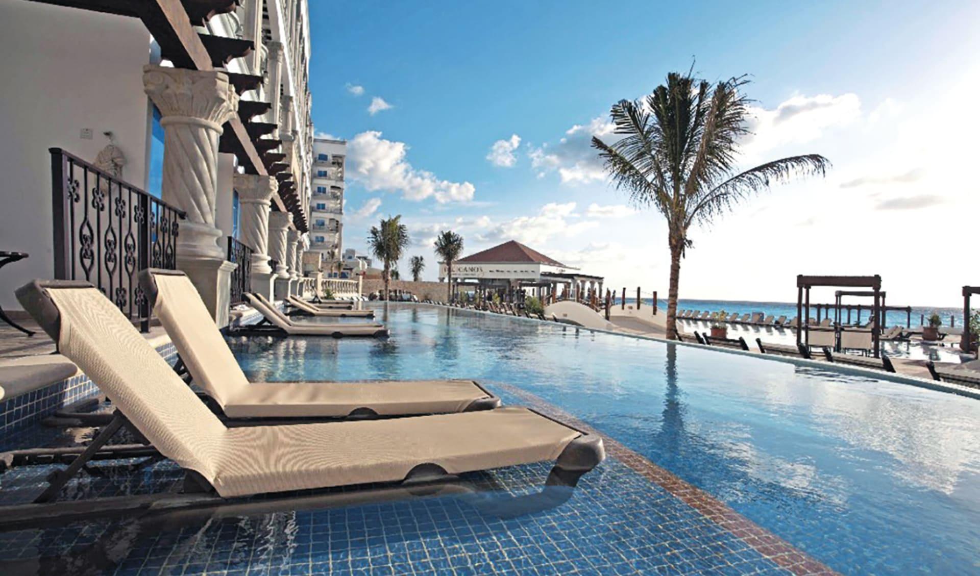 Hyatt Zilara Cancún in Cancun: pool hyatt zilara cancun pool liegen