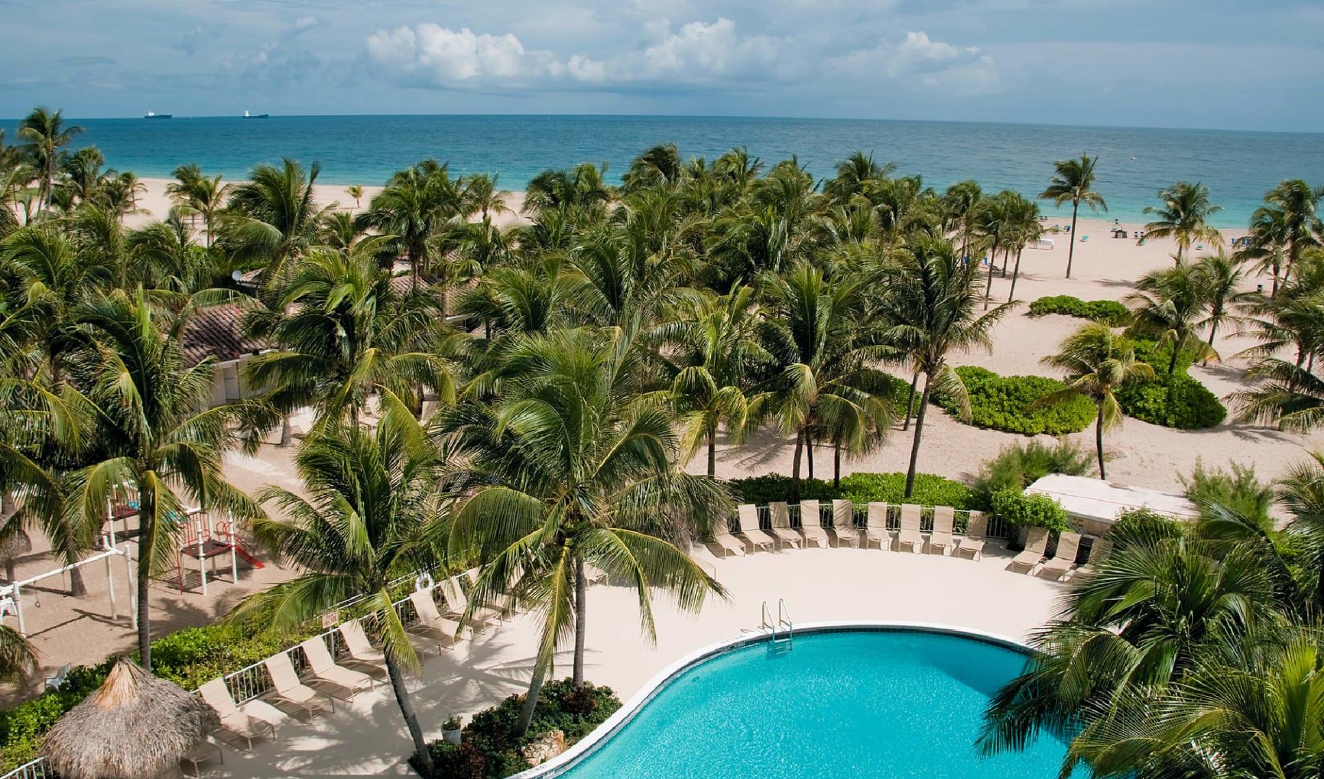 Lago Mar Resort & Club in Fort Lauderdale: pool lago mar resort and club palmen gartenanlage