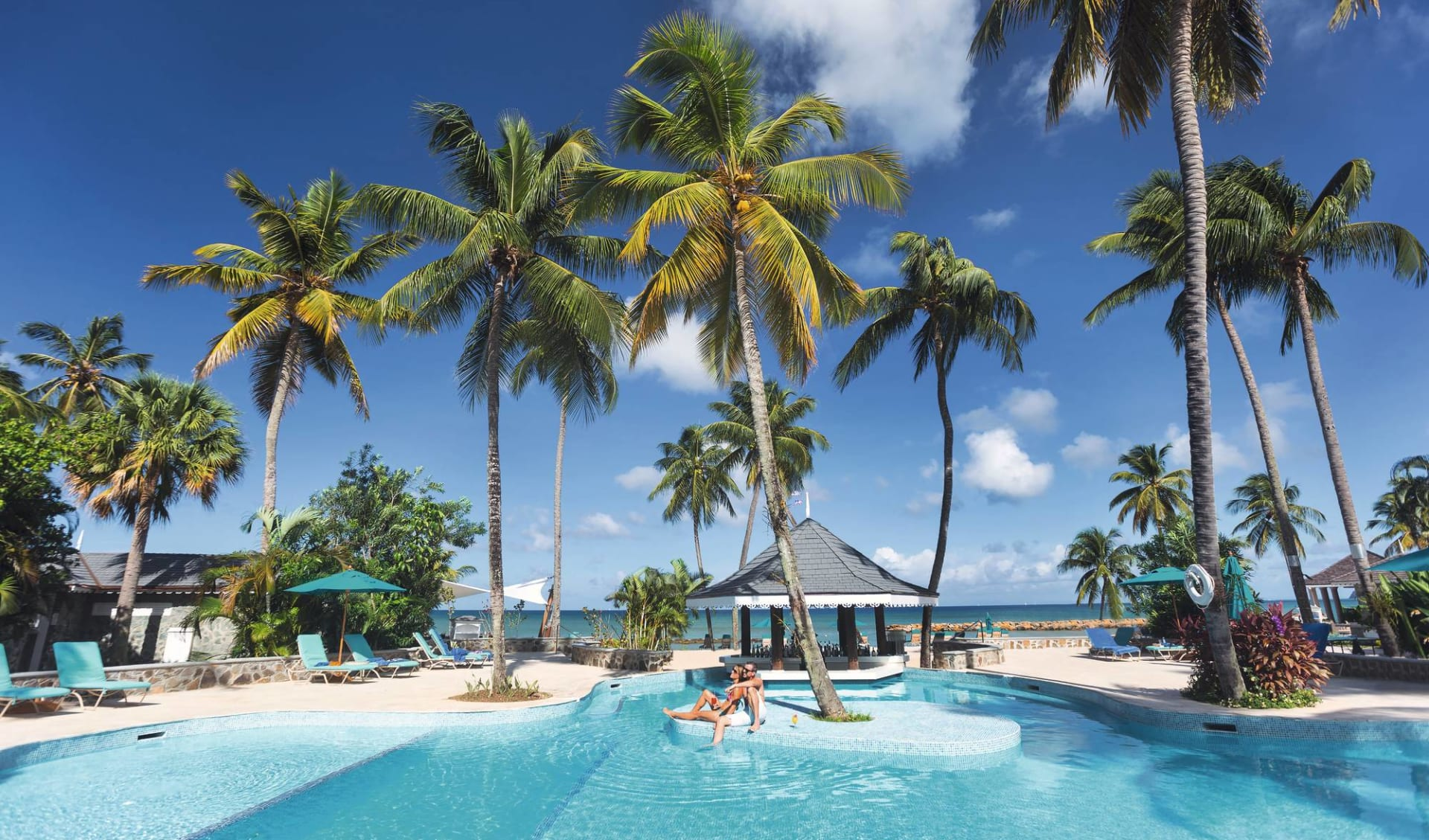 Rendezvous Hotel in Malabar Beach: Pool Rendezvous Hotel - Pool (with couple) c ClearMarketing