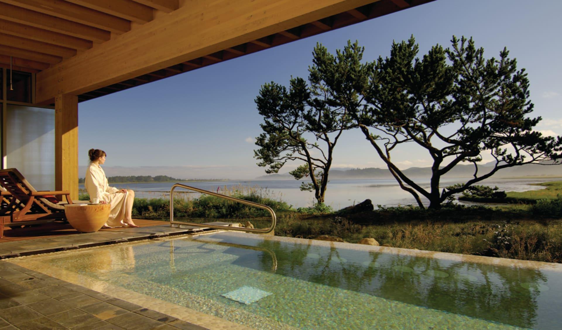 Salishan Golf & Spa Resort in Gleneden Beach: pool salishan golf und spa resort oregon aussicht