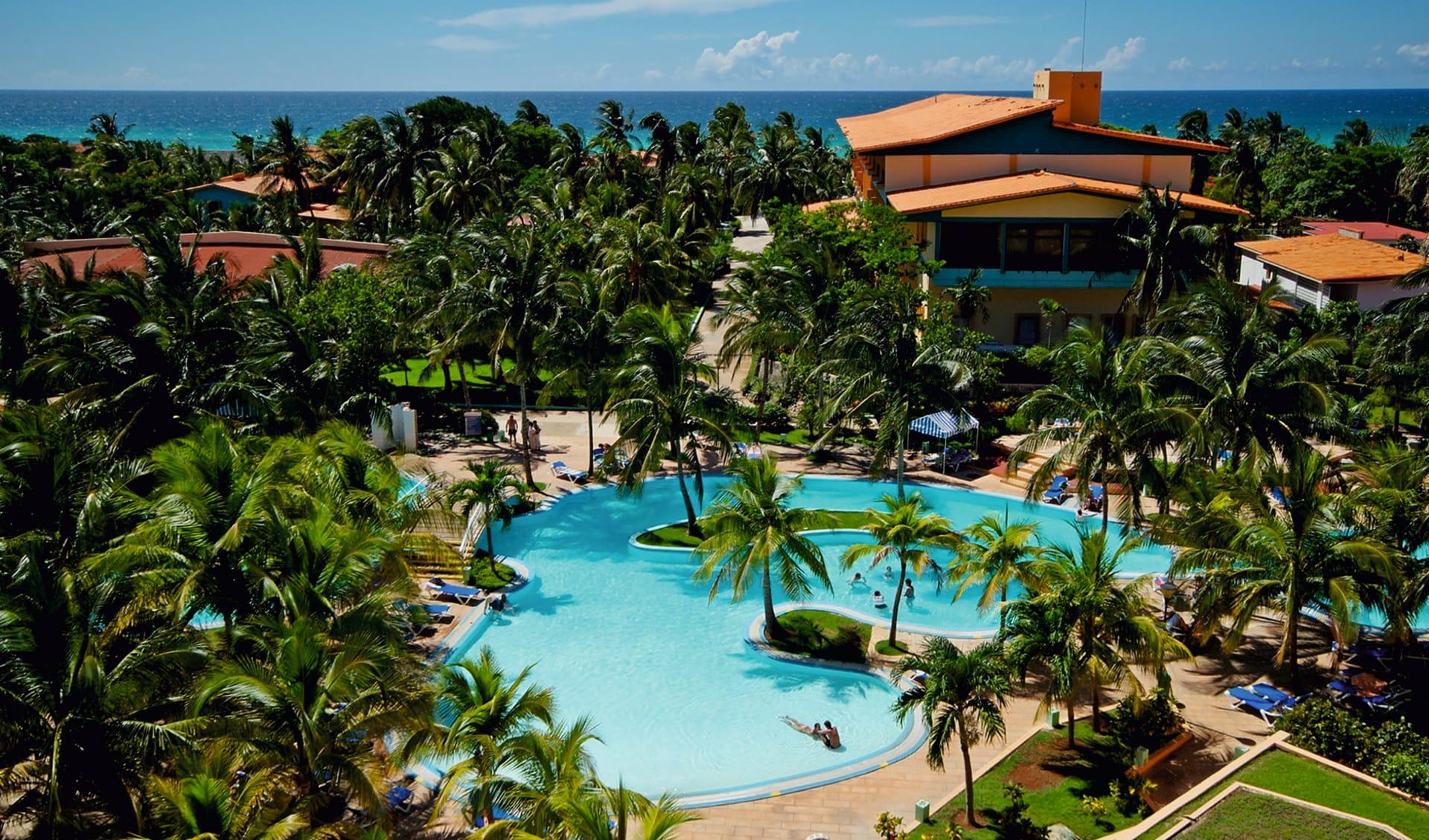 Sol Varadero Beach: pool sol sirenas coral pool palmen haus