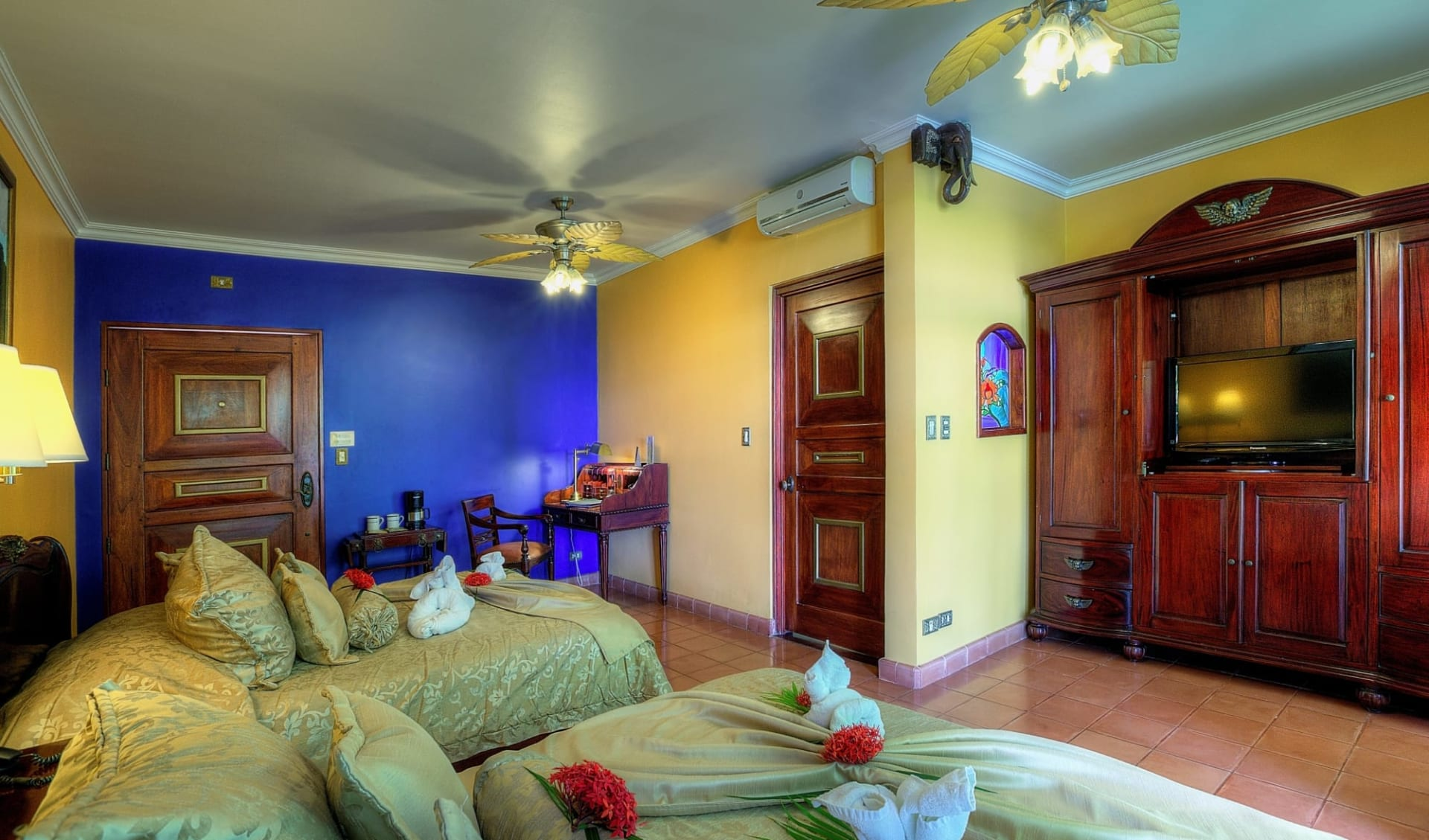 Hotel Cuna del Angel in Dominical:  17DeluxeRoom_17
