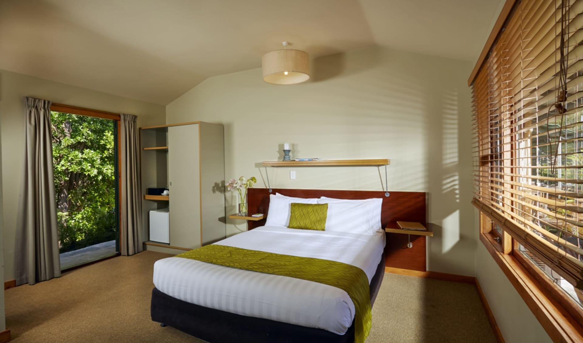Awaroa Lodge in Abel Tasman:  Awaroa Lodge - Standard Plus Zimmer cCapstonehotels