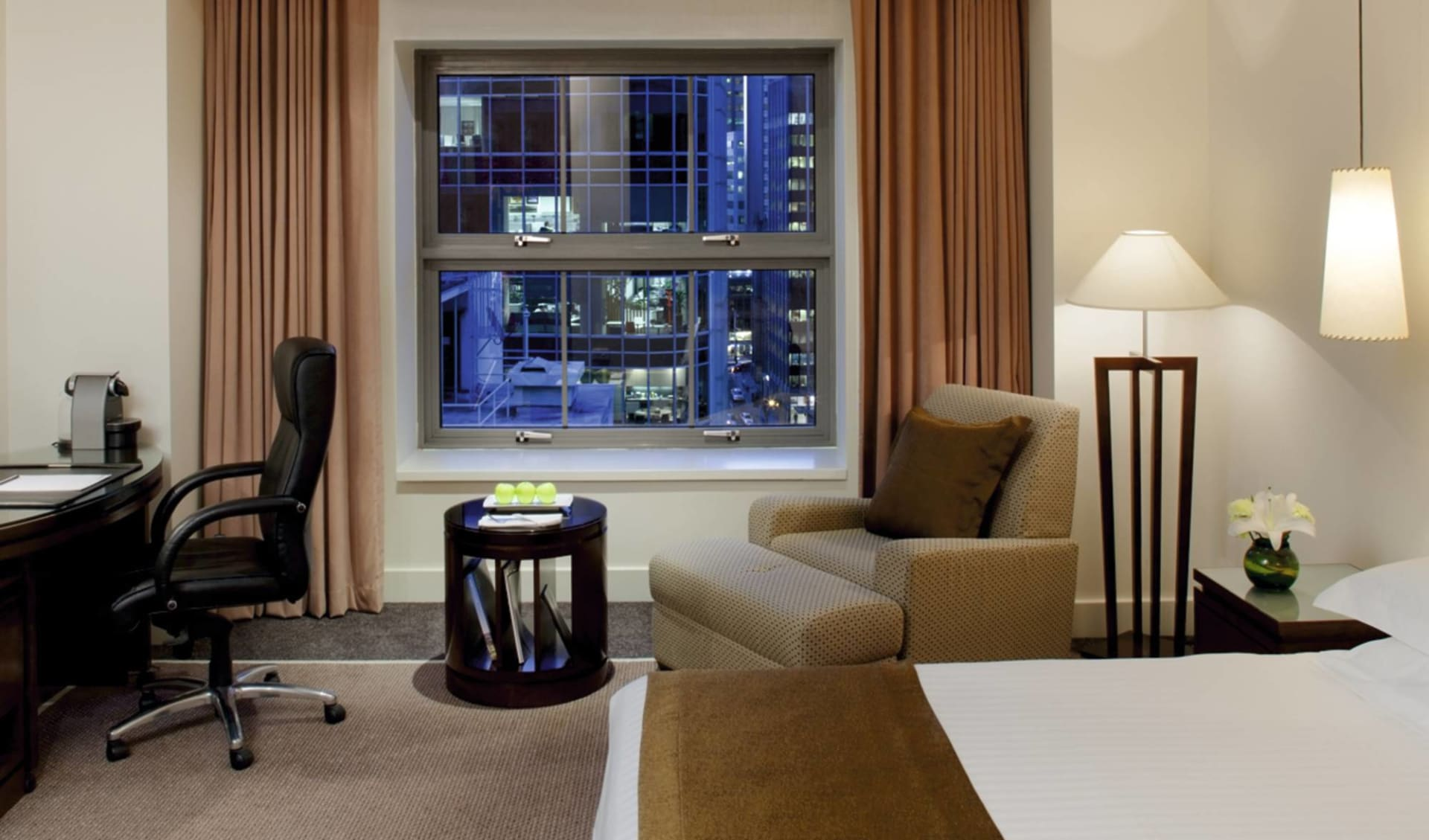 Four Seasons Hotel Sydney:  Four Seasons Hotel Sydney - Business Class Room
