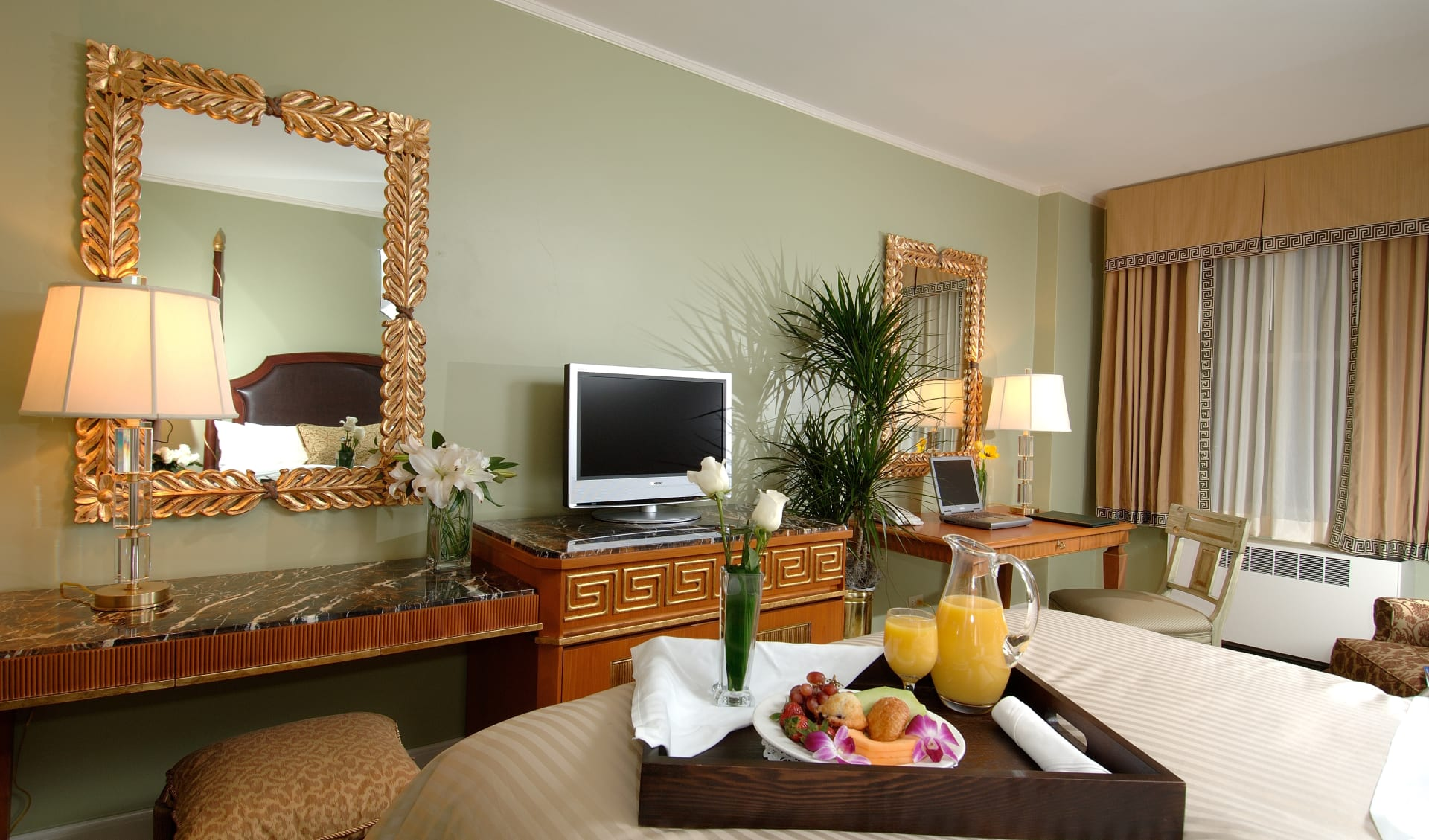 Francis Marion Hotel in Charleston: Francis Marion Hotel - Traditional Hotelzimmer
