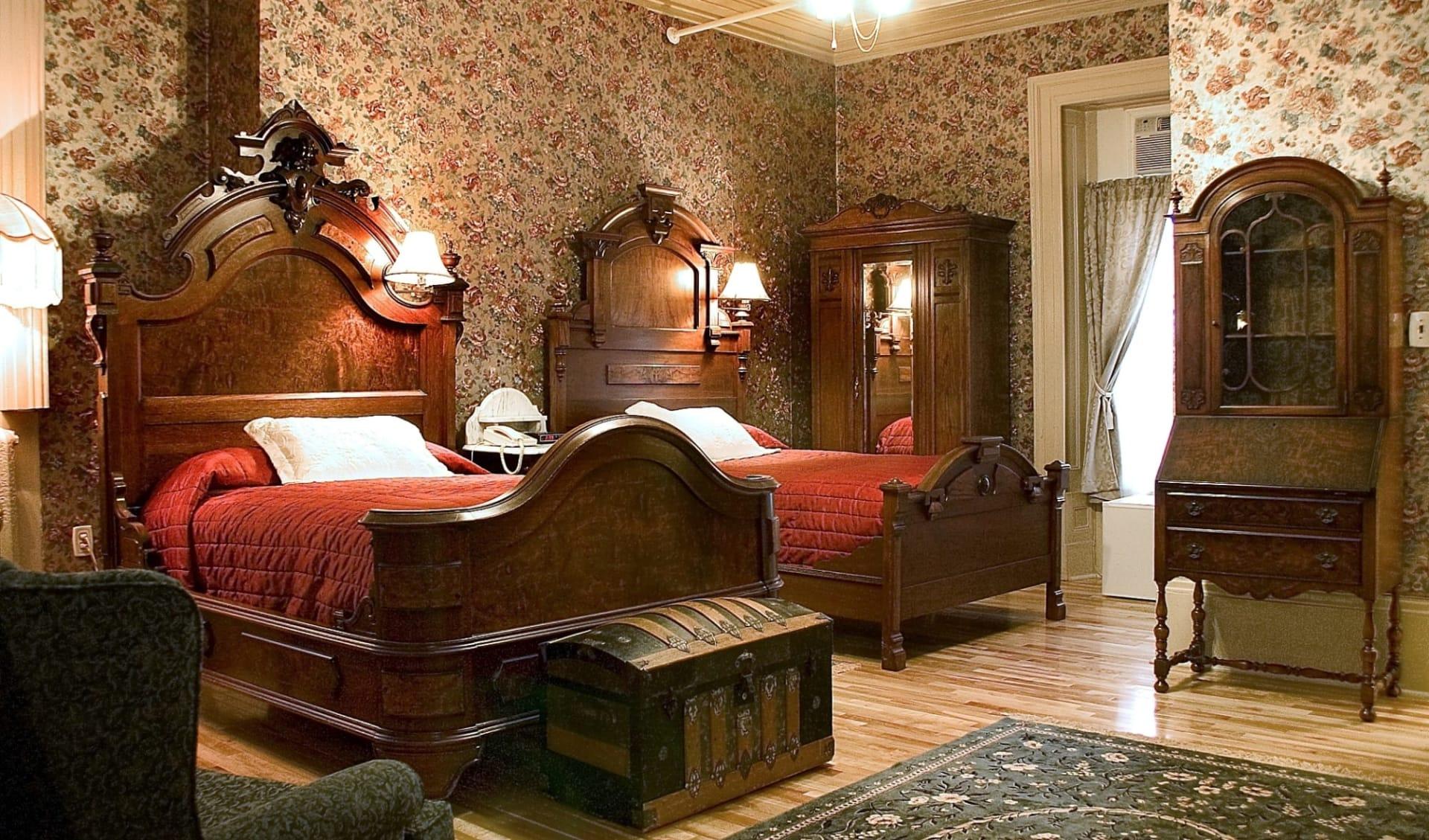 Halifax's Waverley Inn:  Guestroom_ws