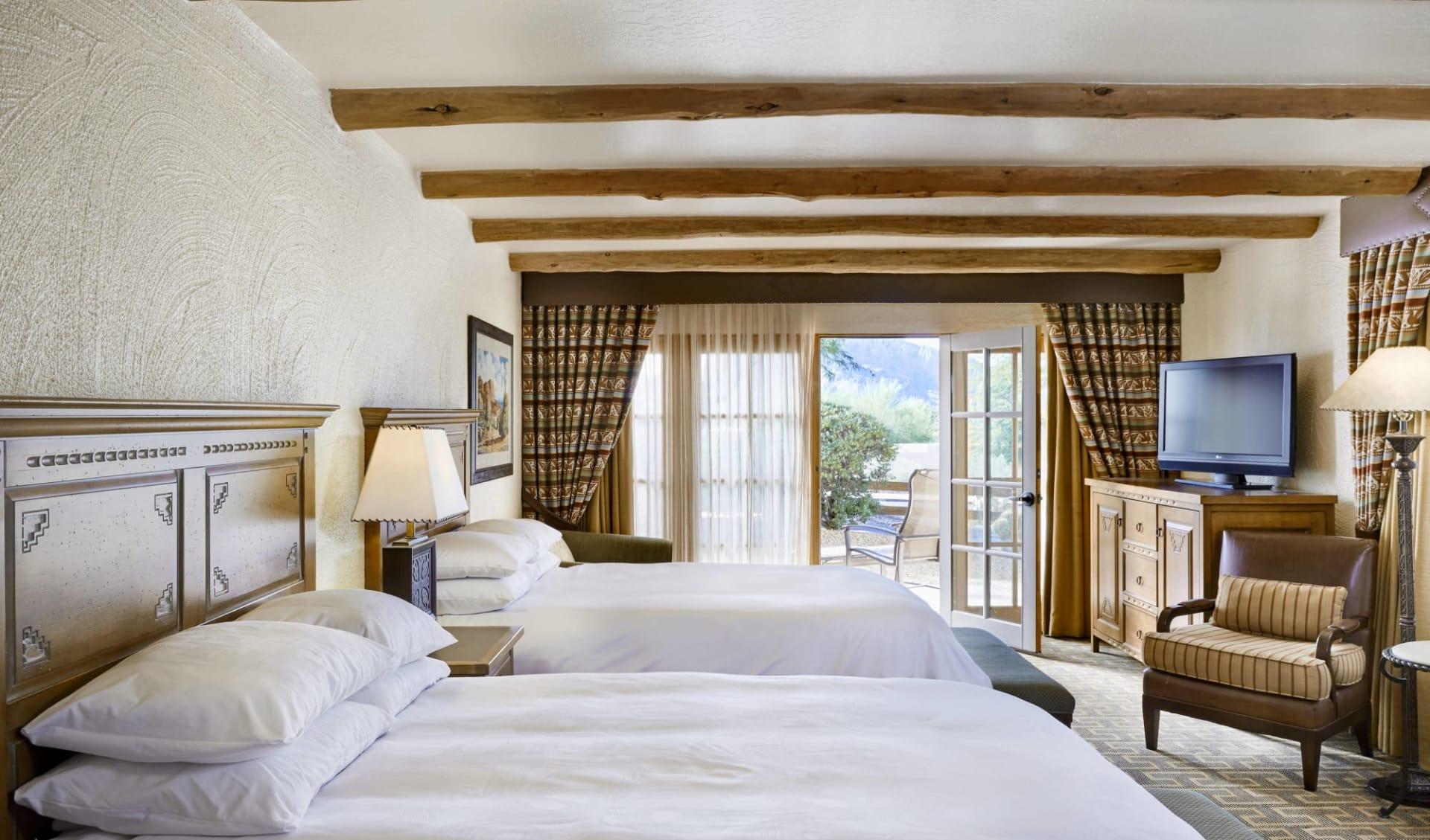 JW Marriott Scottsdale Camelback Inn Resort & Spa:  Hi_PHXCB_95898196_phxcb-guestroom-0088-hor-clsc